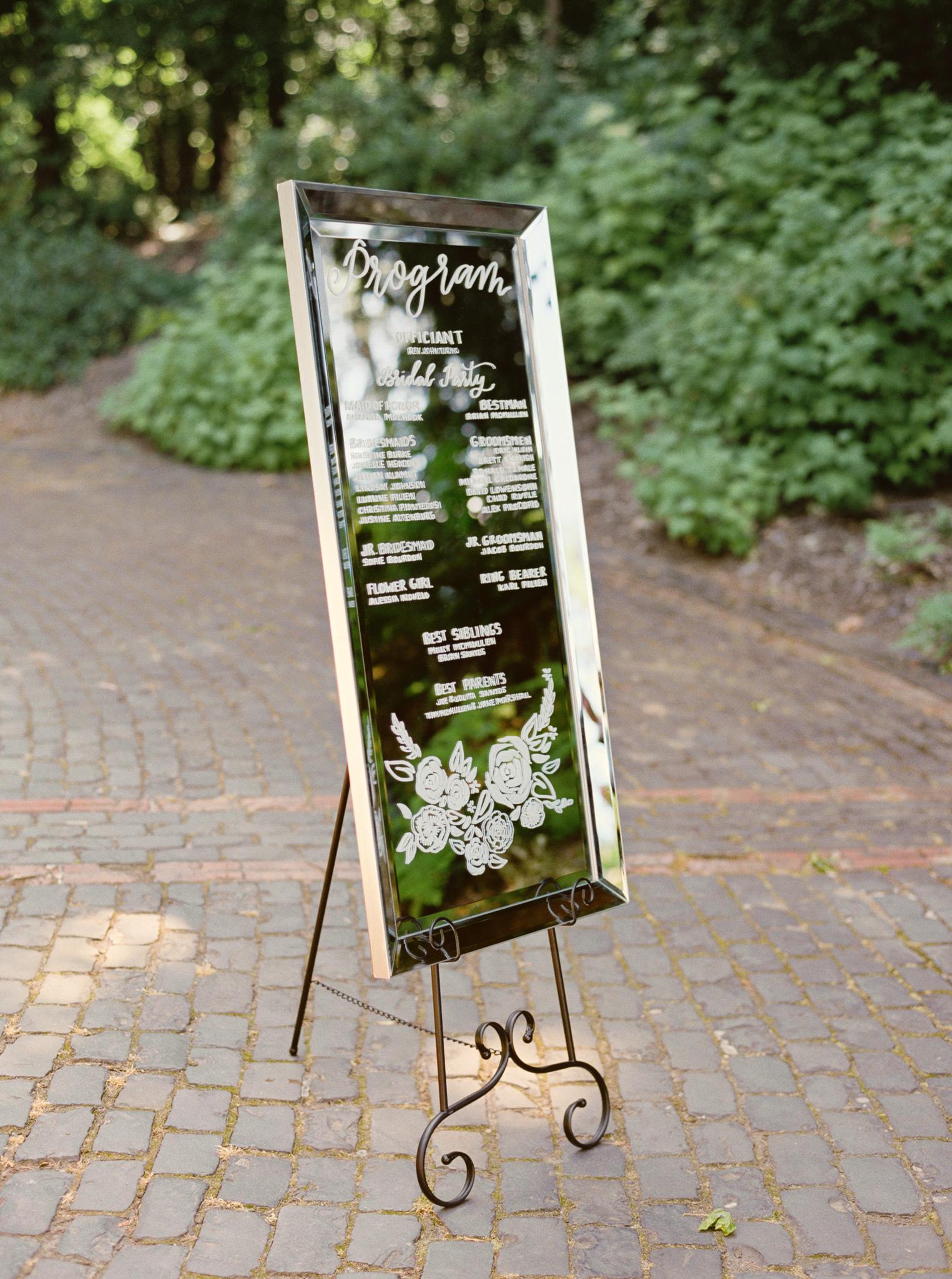 114OutliveCreative_Travel_Photographer_Videographer_Lewis&Clark_Oregon_Elegant_BlackTie_Destination_Wedding.jpg