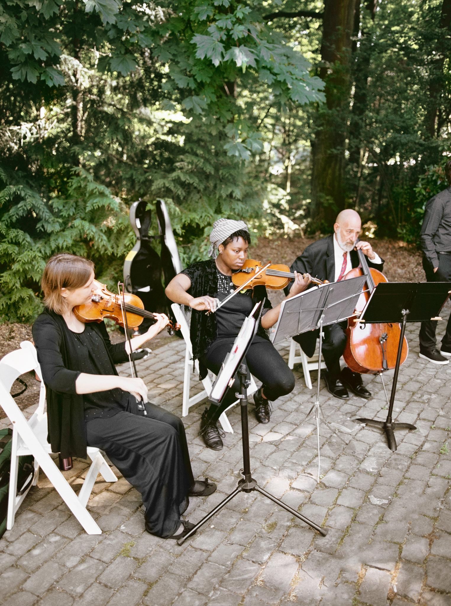 119OutliveCreative_Travel_Photographer_Videographer_Lewis&Clark_Oregon_Elegant_BlackTie_Destination_Wedding.jpg