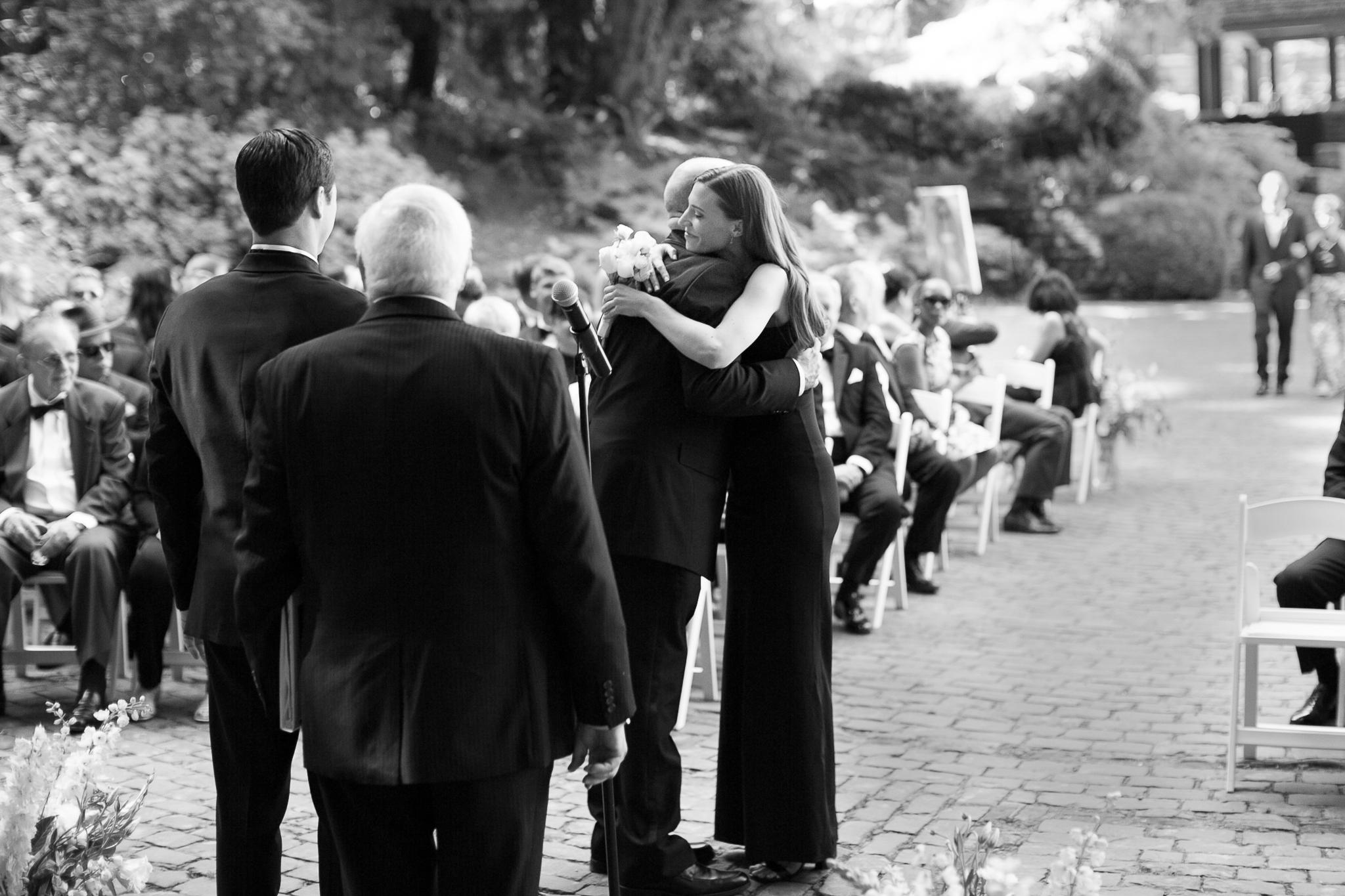 126OutliveCreative_Travel_Photographer_Videographer_Lewis&Clark_Oregon_Elegant_BlackTie_Destination_Wedding.jpg