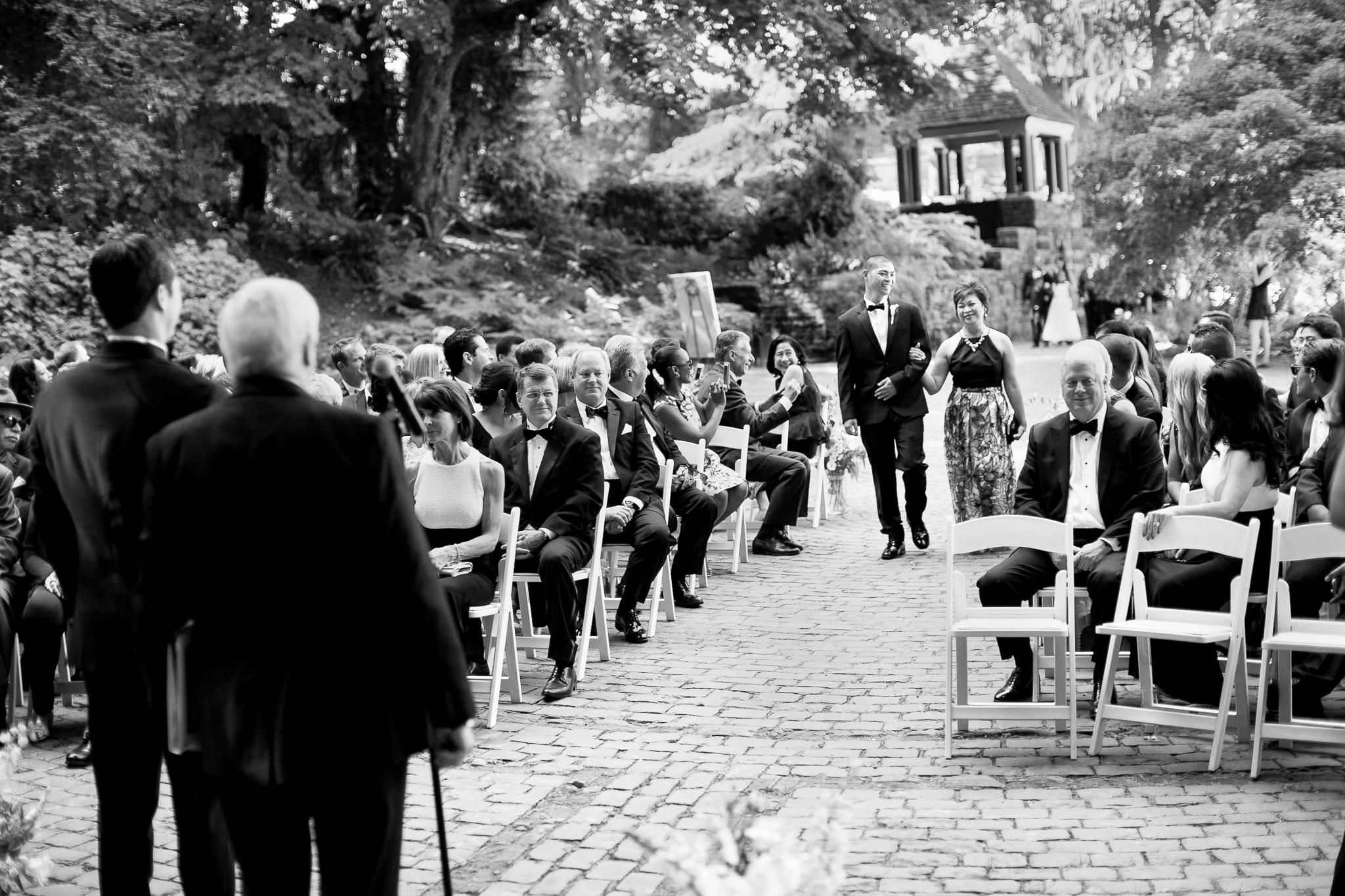 127OutliveCreative_Travel_Photographer_Videographer_Lewis&Clark_Oregon_Elegant_BlackTie_Destination_Wedding.jpg