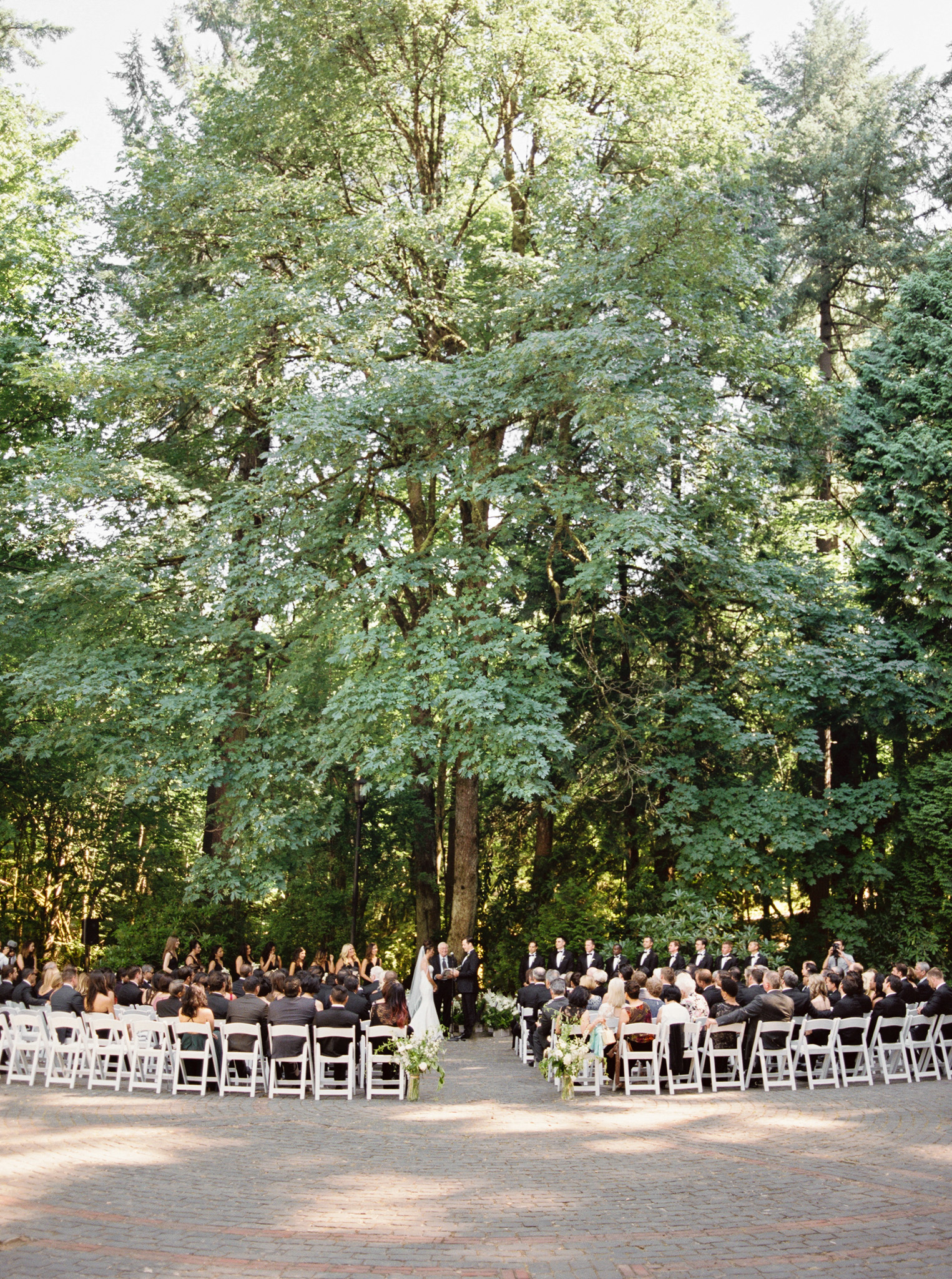 130OutliveCreative_Travel_Photographer_Videographer_Lewis&Clark_Oregon_Elegant_BlackTie_Destination_Wedding.jpg
