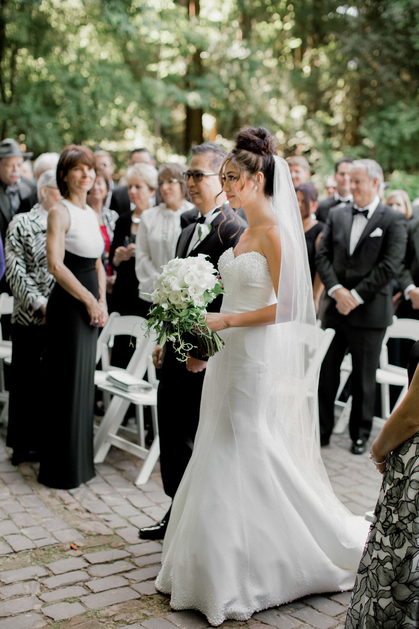133OutliveCreative_Travel_Photographer_Videographer_Lewis&Clark_Oregon_Elegant_BlackTie_Destination_Wedding.jpg
