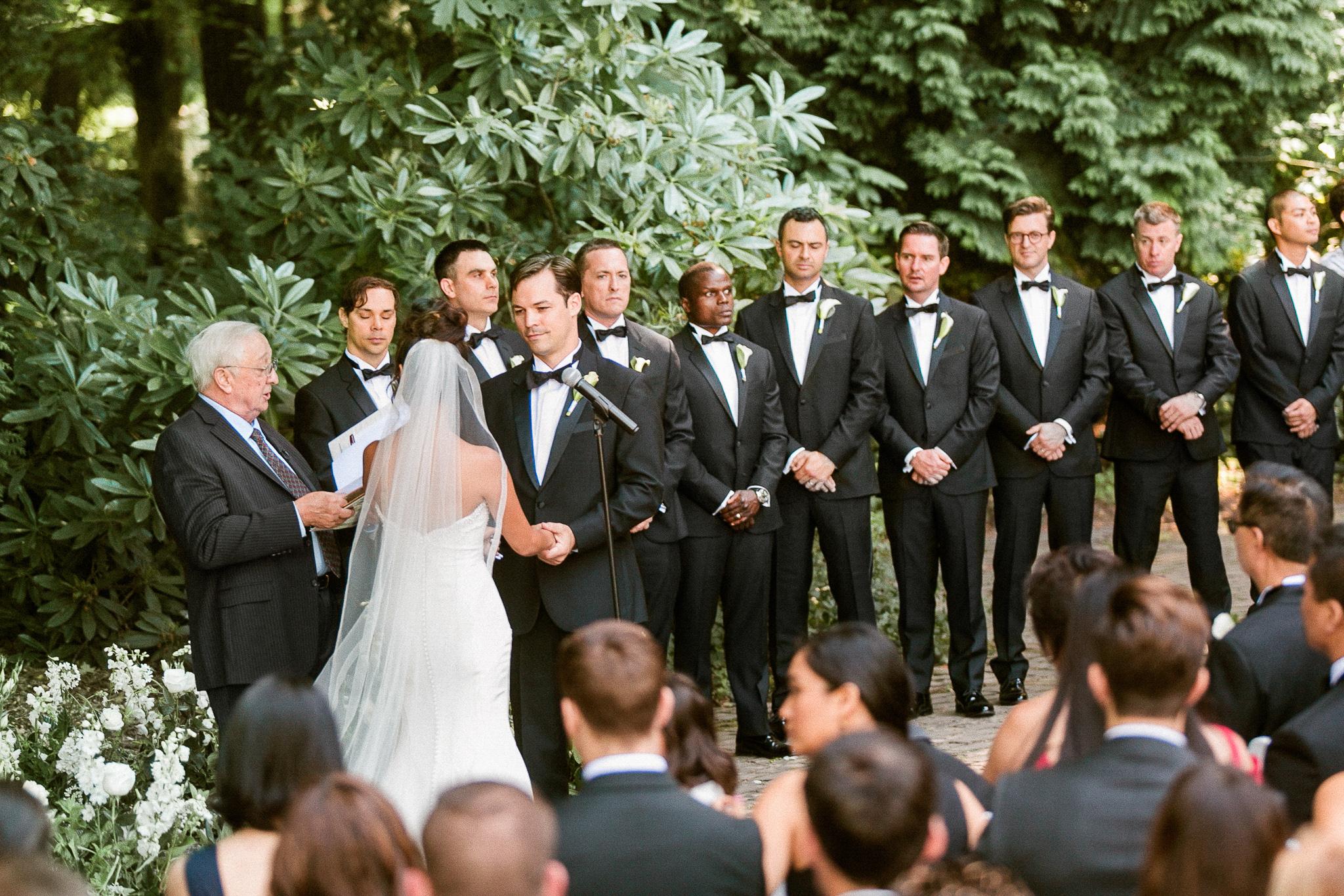 140OutliveCreative_Travel_Photographer_Videographer_Lewis&Clark_Oregon_Elegant_BlackTie_Destination_Wedding.jpg