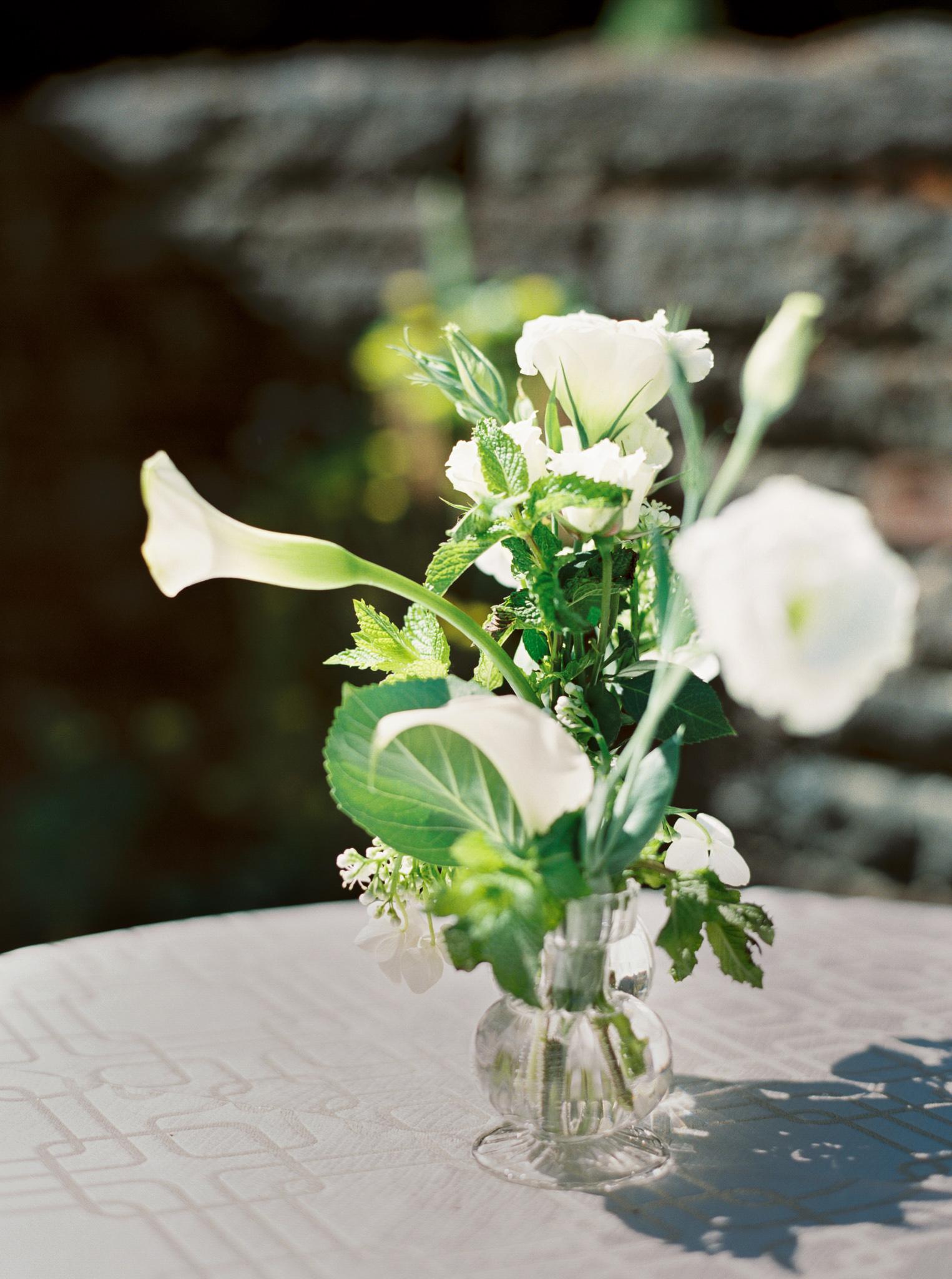 157OutliveCreative_Travel_Photographer_Videographer_Lewis&Clark_Oregon_Elegant_BlackTie_Destination_Wedding.jpg