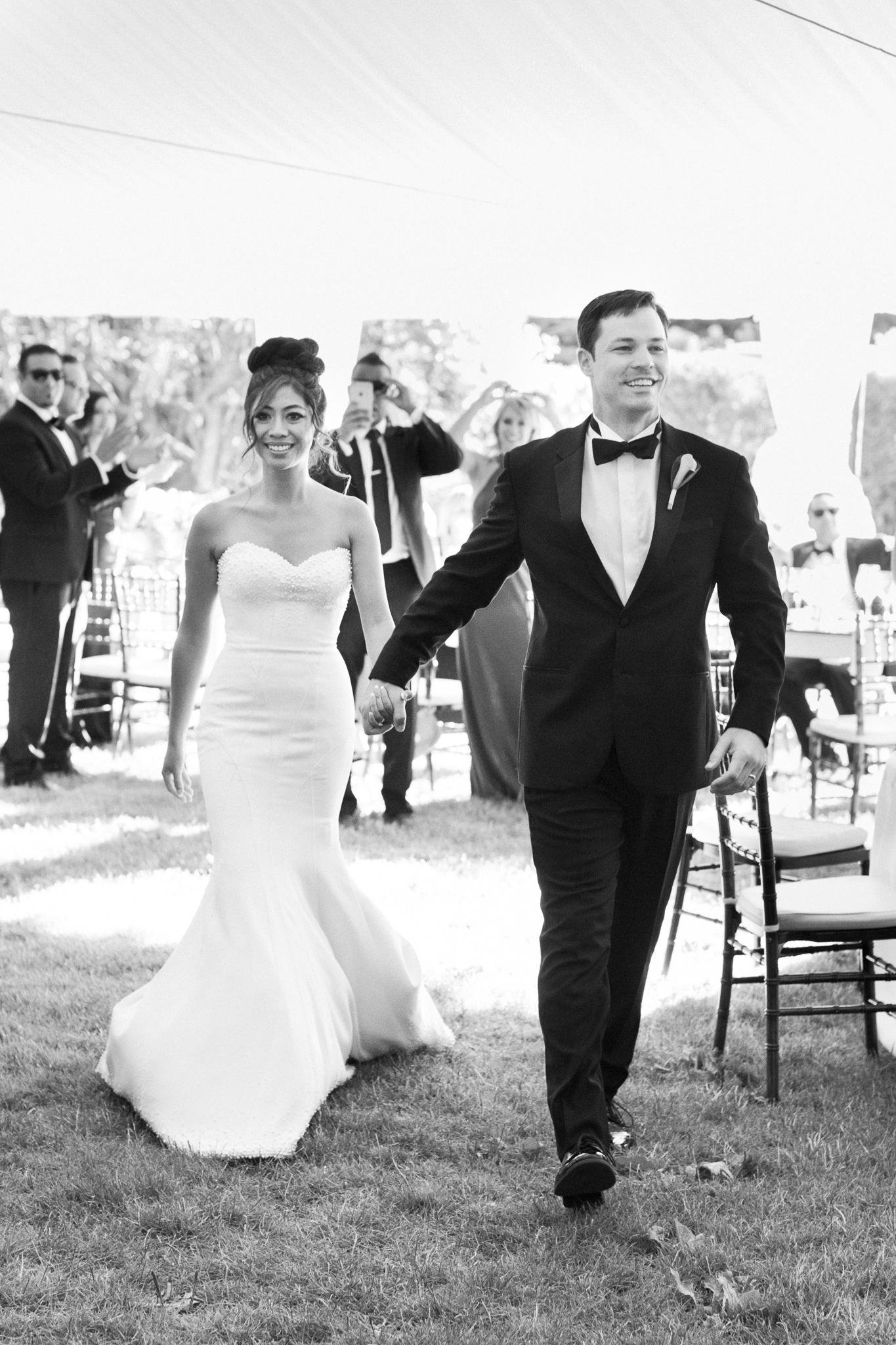 162OutliveCreative_Travel_Photographer_Videographer_Lewis&Clark_Oregon_Elegant_BlackTie_Destination_Wedding.jpg