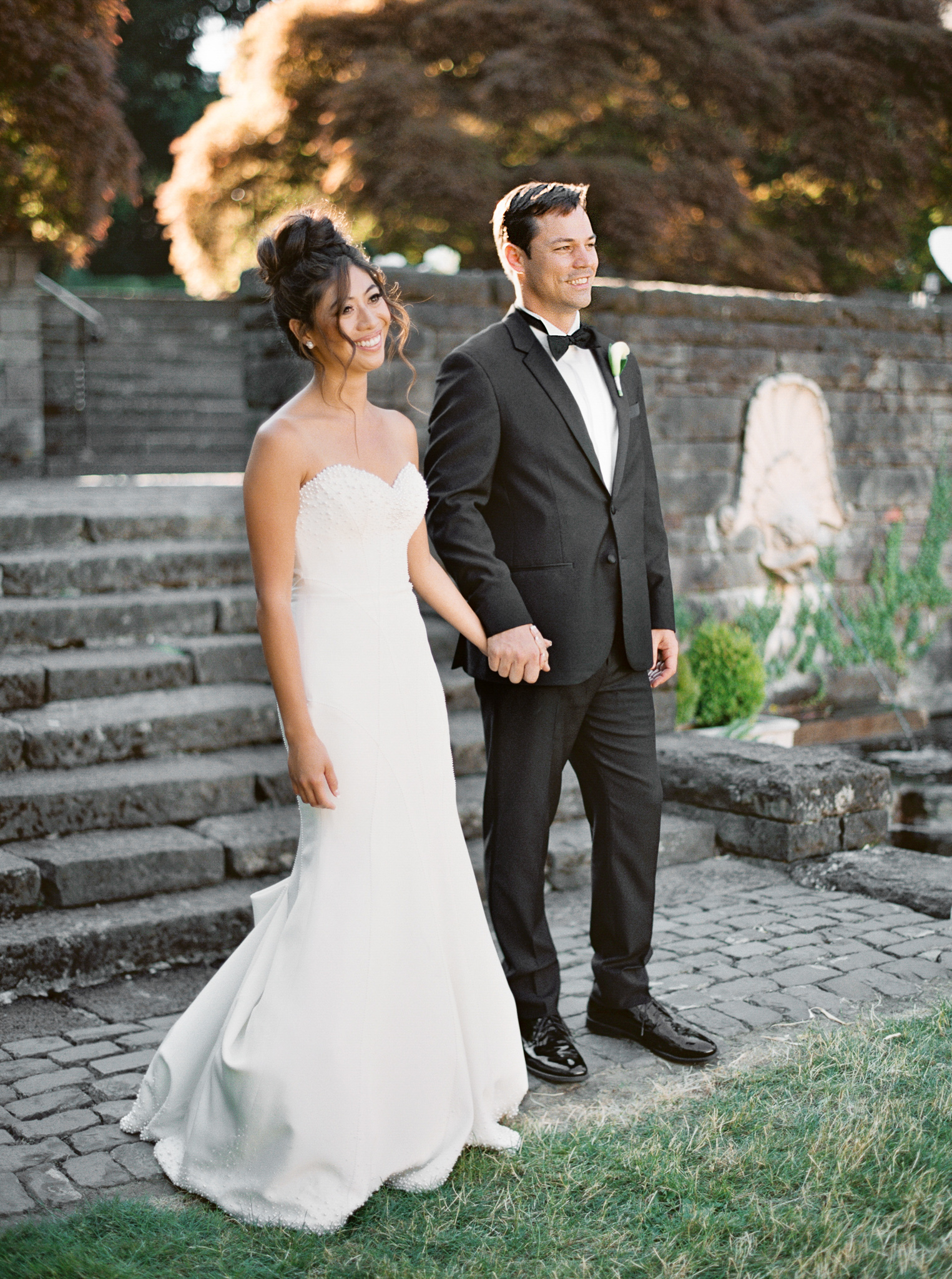 161OutliveCreative_Travel_Photographer_Videographer_Lewis&Clark_Oregon_Elegant_BlackTie_Destination_Wedding.jpg