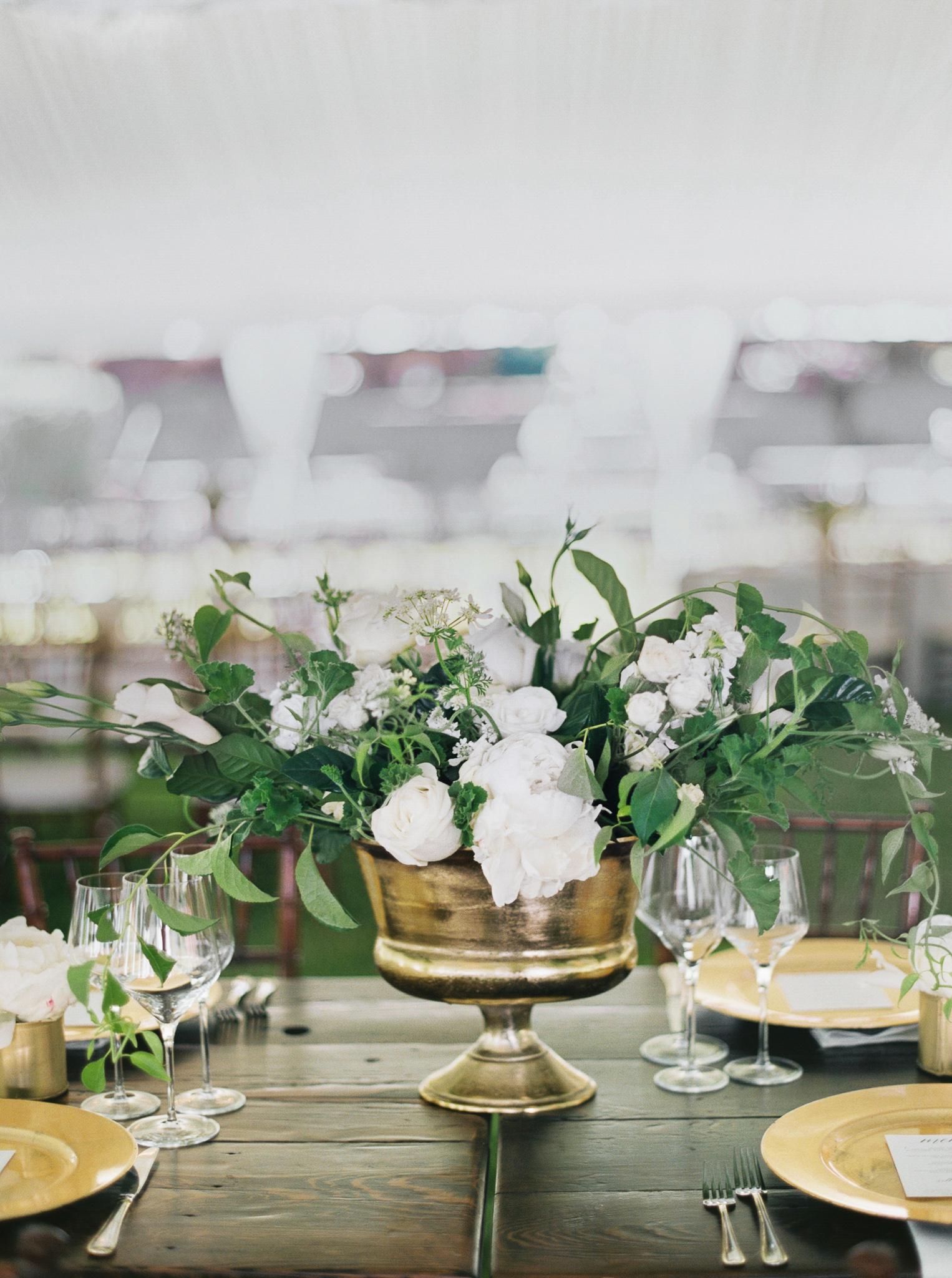 166OutliveCreative_Travel_Photographer_Videographer_Lewis&Clark_Oregon_Elegant_BlackTie_Destination_Wedding.jpg