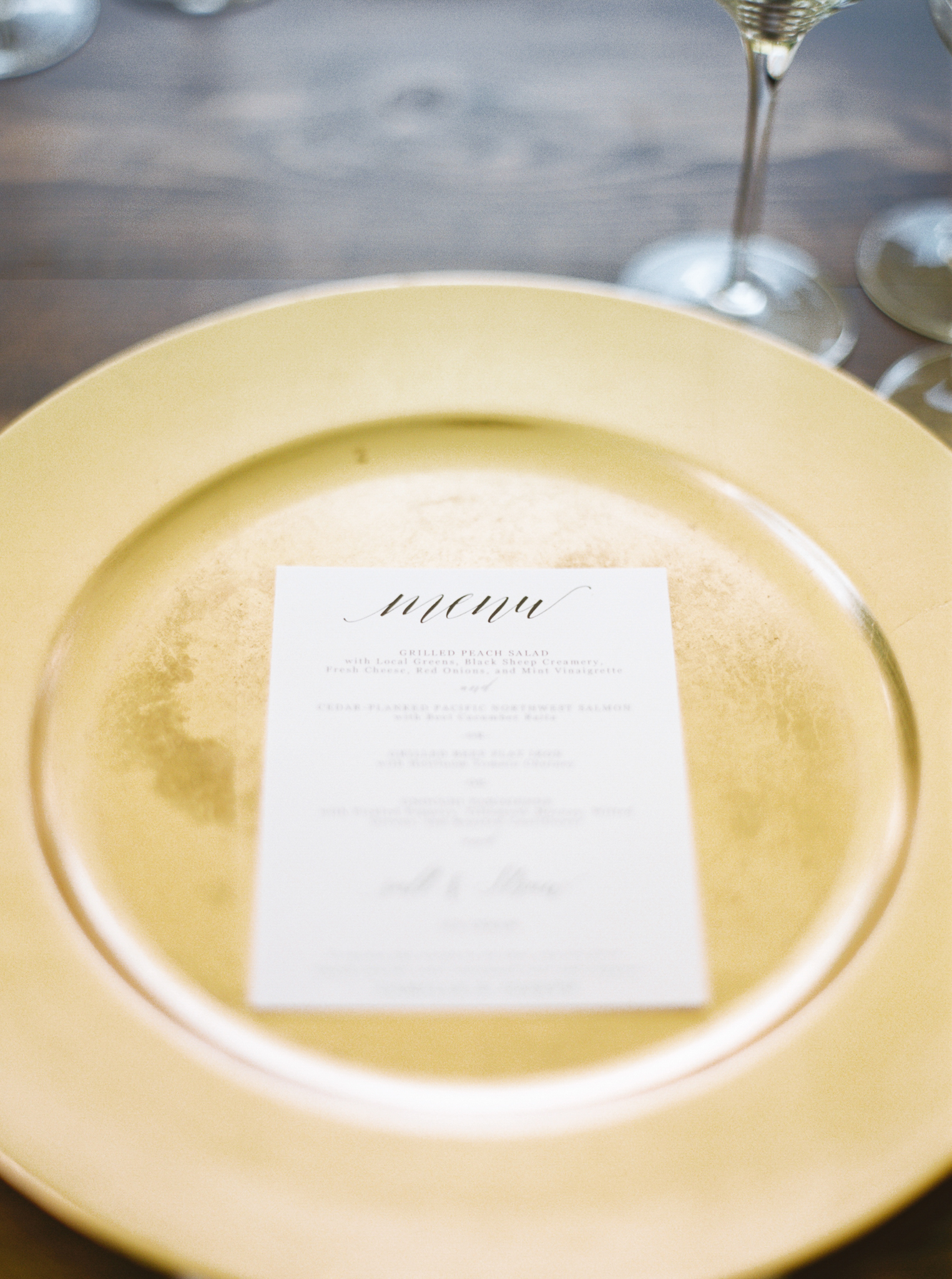 168OutliveCreative_Travel_Photographer_Videographer_Lewis&Clark_Oregon_Elegant_BlackTie_Destination_Wedding.jpg