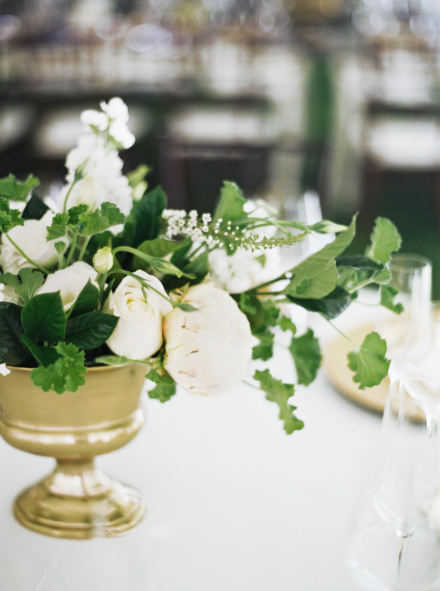 170OutliveCreative_Travel_Photographer_Videographer_Lewis&Clark_Oregon_Elegant_BlackTie_Destination_Wedding.jpg