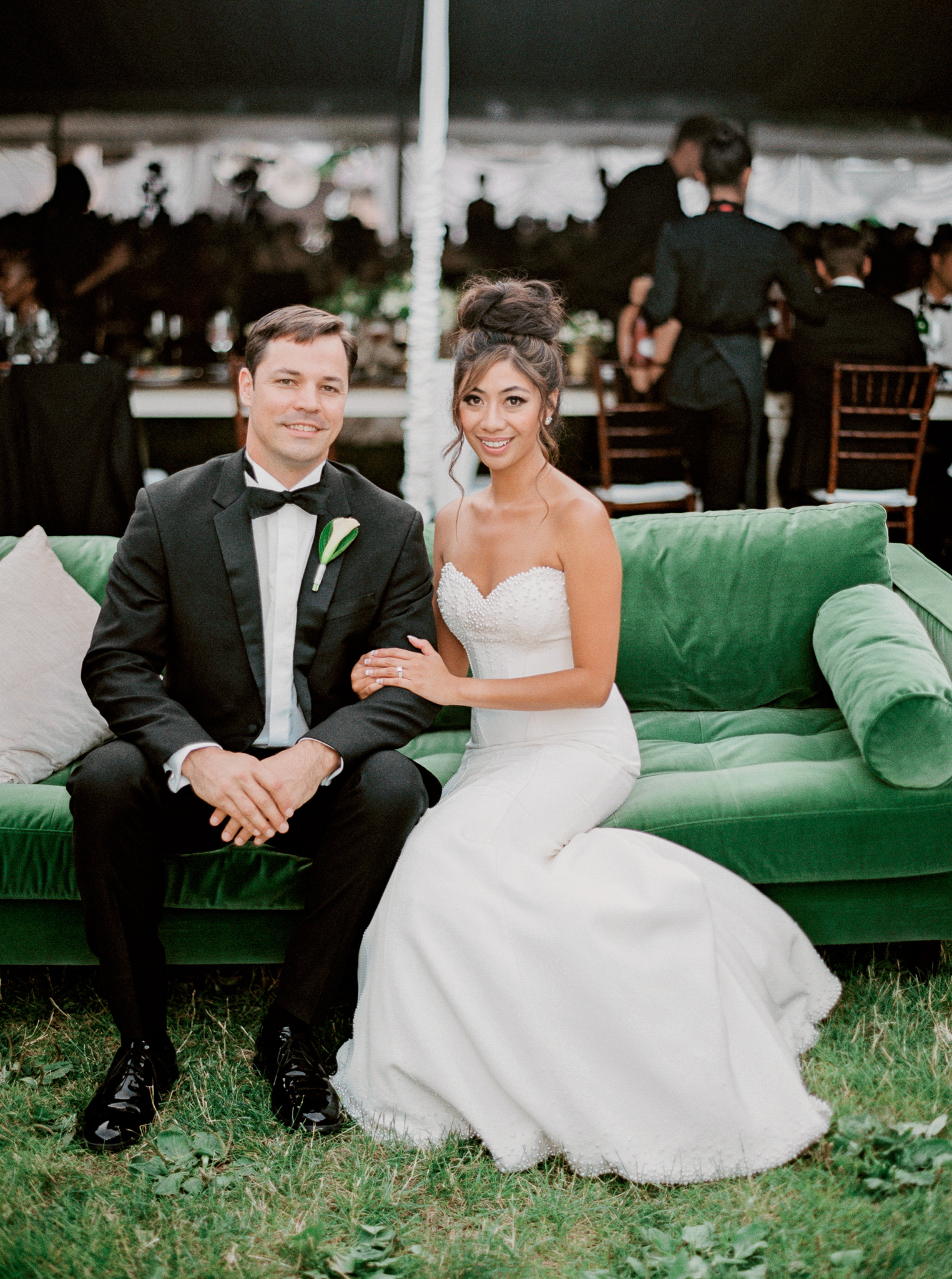 180OutliveCreative_Travel_Photographer_Videographer_Lewis&Clark_Oregon_Elegant_BlackTie_Destination_Wedding.jpg