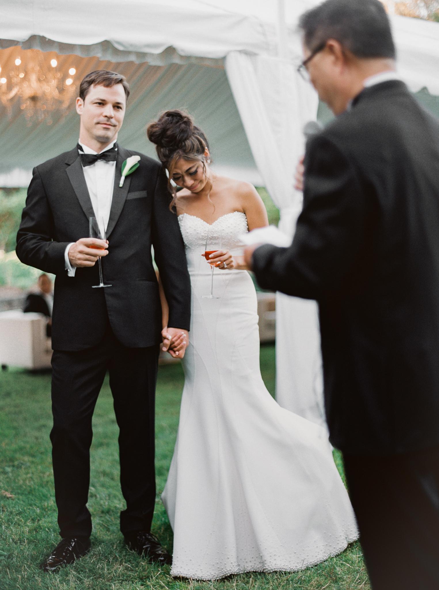 201OutliveCreative_Travel_Photographer_Videographer_Lewis&Clark_Oregon_Elegant_BlackTie_Destination_Wedding.jpg
