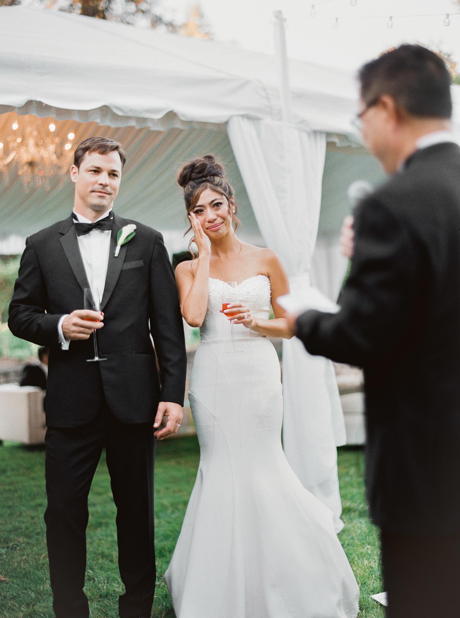 203OutliveCreative_Travel_Photographer_Videographer_Lewis&Clark_Oregon_Elegant_BlackTie_Destination_Wedding.jpg
