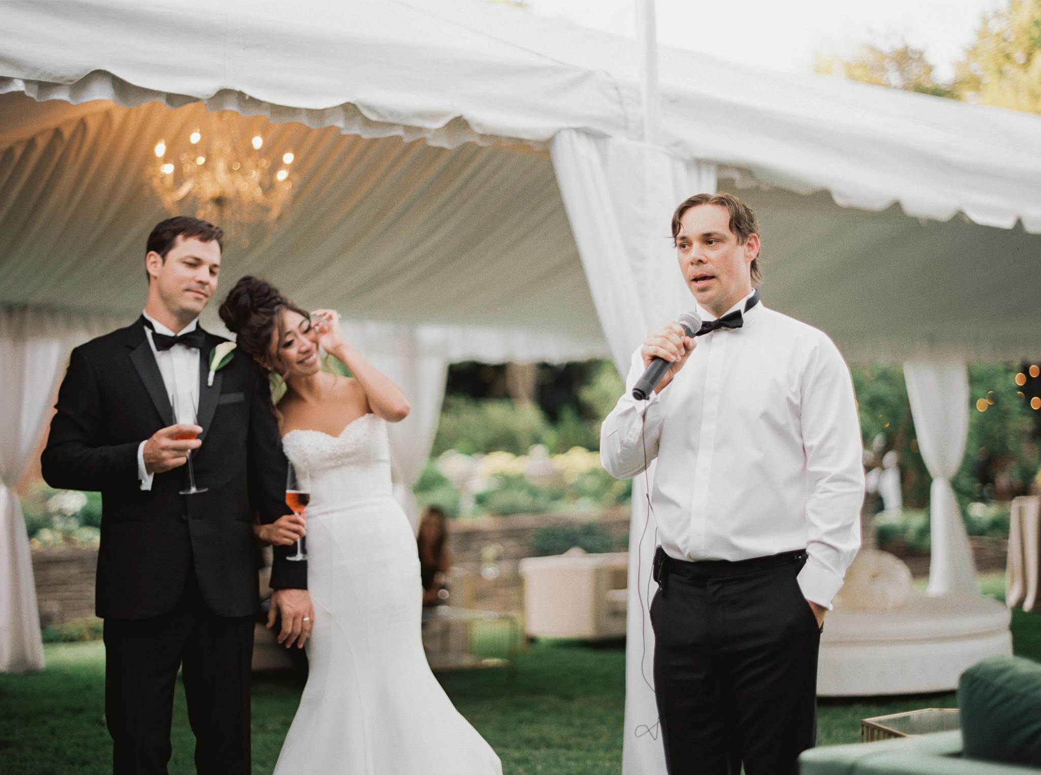 204OutliveCreative_Travel_Photographer_Videographer_Lewis&Clark_Oregon_Elegant_BlackTie_Destination_Wedding.jpg