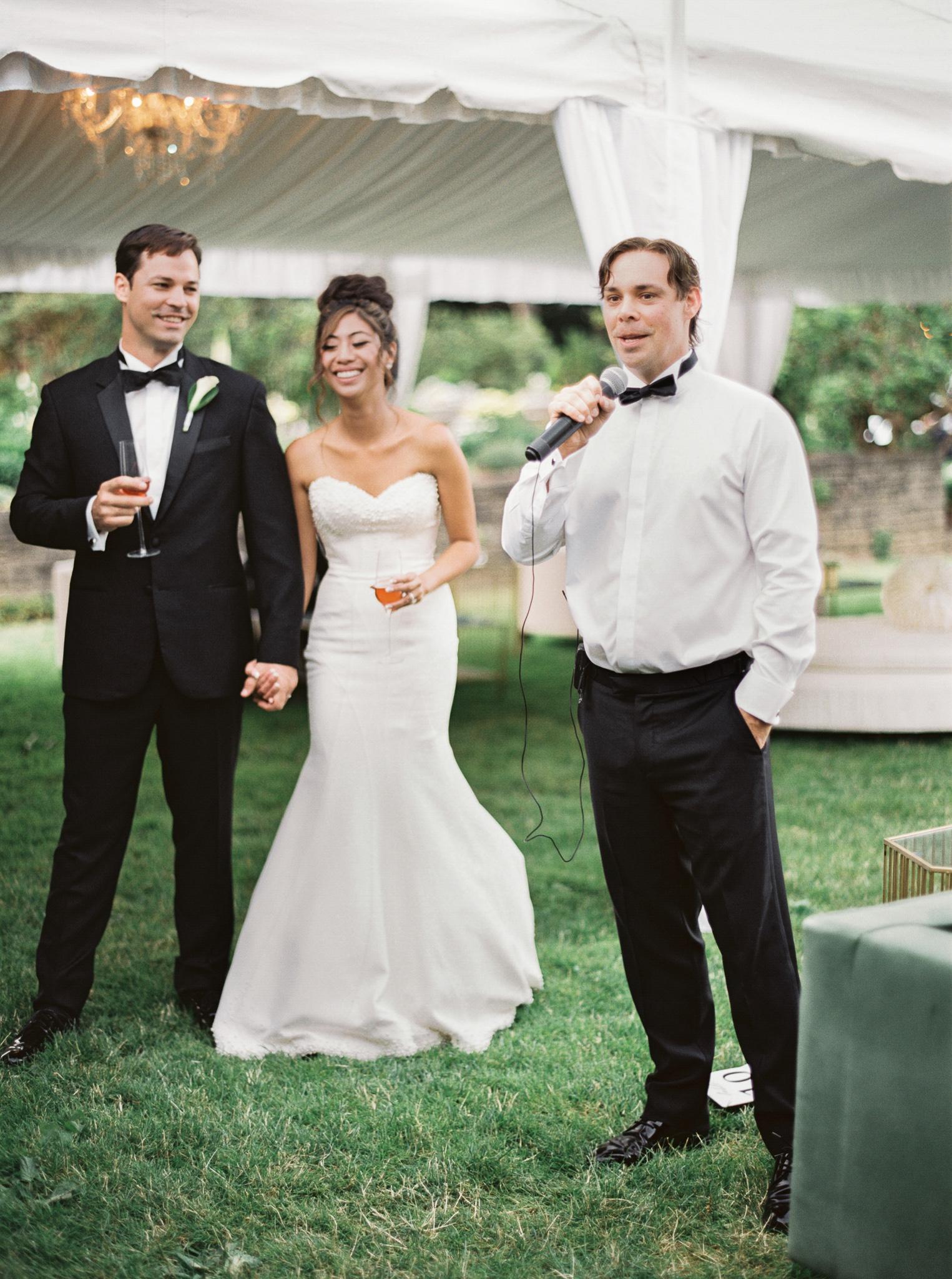 205OutliveCreative_Travel_Photographer_Videographer_Lewis&Clark_Oregon_Elegant_BlackTie_Destination_Wedding.jpg