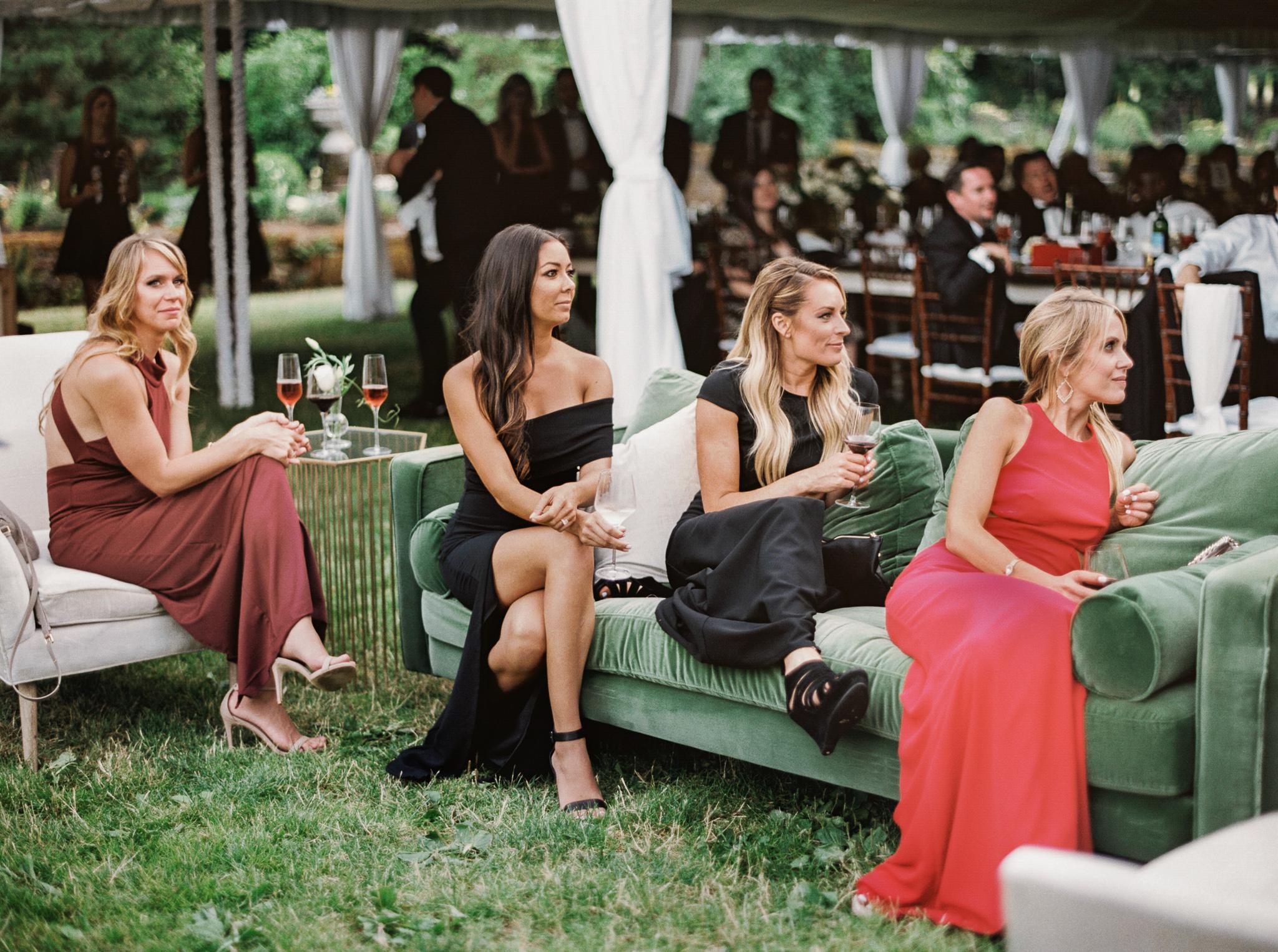 209OutliveCreative_Travel_Photographer_Videographer_Lewis&Clark_Oregon_Elegant_BlackTie_Destination_Wedding.jpg