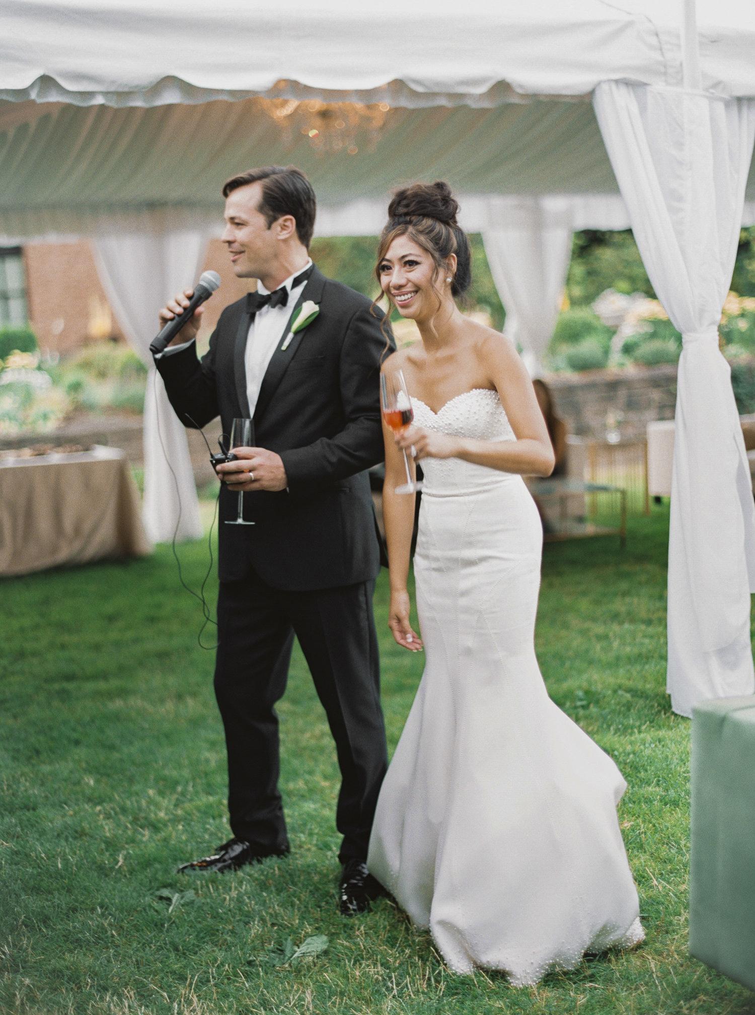 207OutliveCreative_Travel_Photographer_Videographer_Lewis&Clark_Oregon_Elegant_BlackTie_Destination_Wedding.jpg