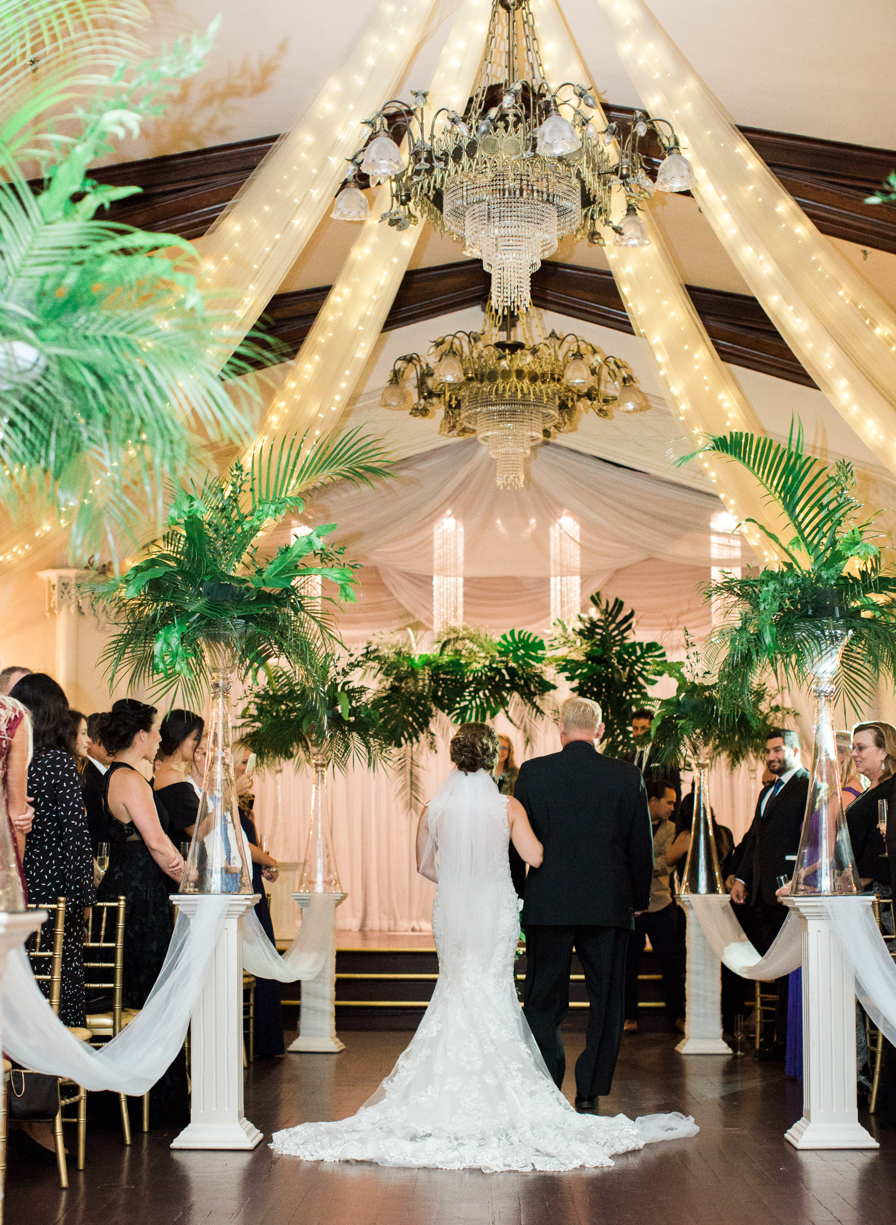 043destination_travel_photo&video_wedding_company_for_luxary_highend_weddings_and_elopements_in_LA_SF_HAWAII_Carribean_Santorini.jpg