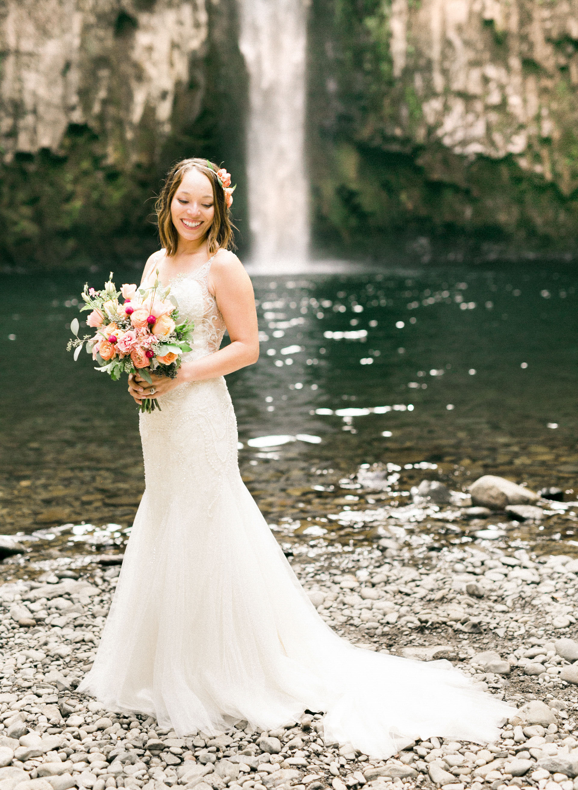 abiqua_falls_elopement_wedding_oregon_photographer_videographer_064.jpg