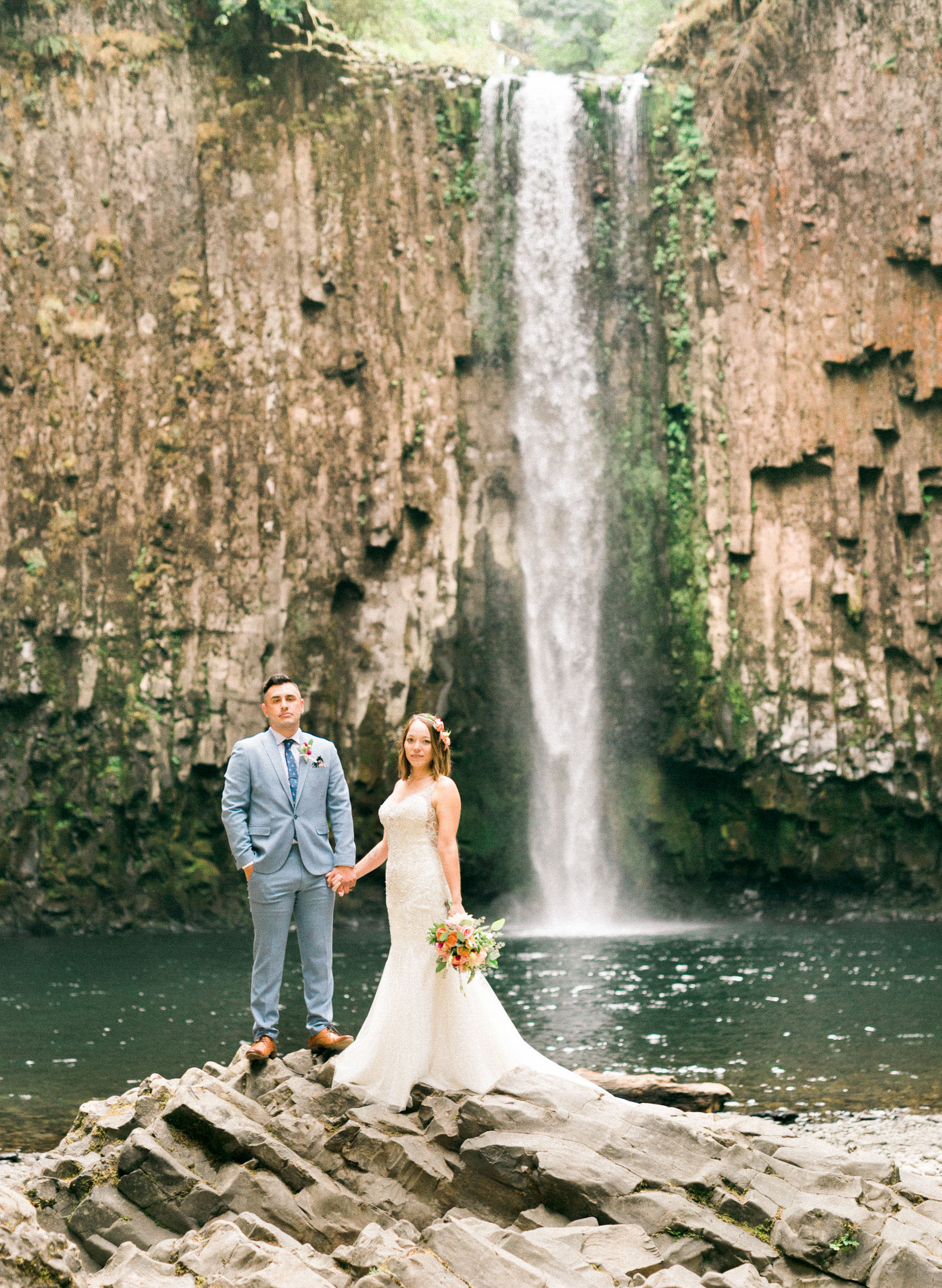 abiqua_falls_elopement_wedding_oregon_photographer_videographer_070.jpg