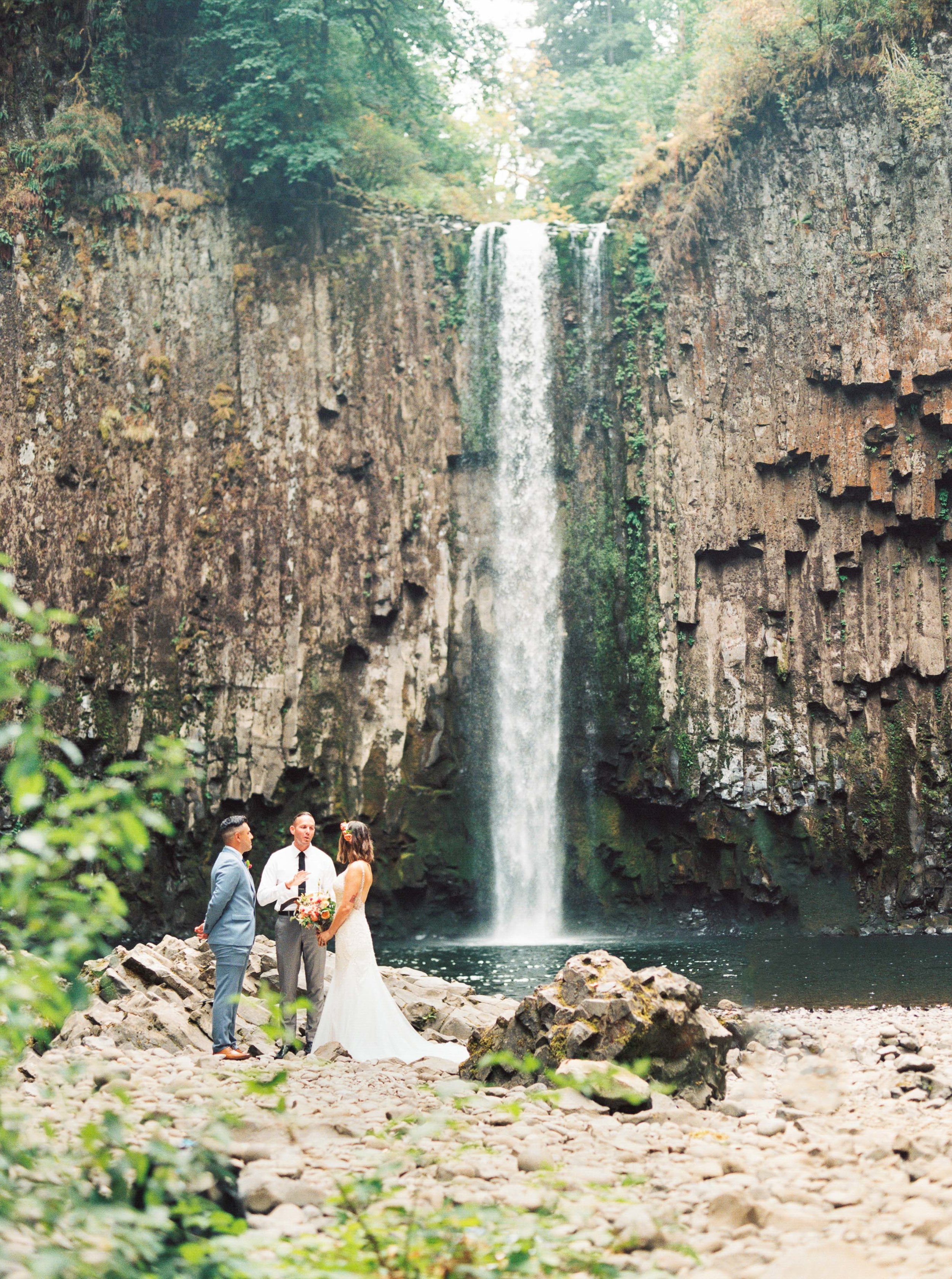 abiqua_falls_elopement_wedding_oregon_photographer_videographer_119.jpg