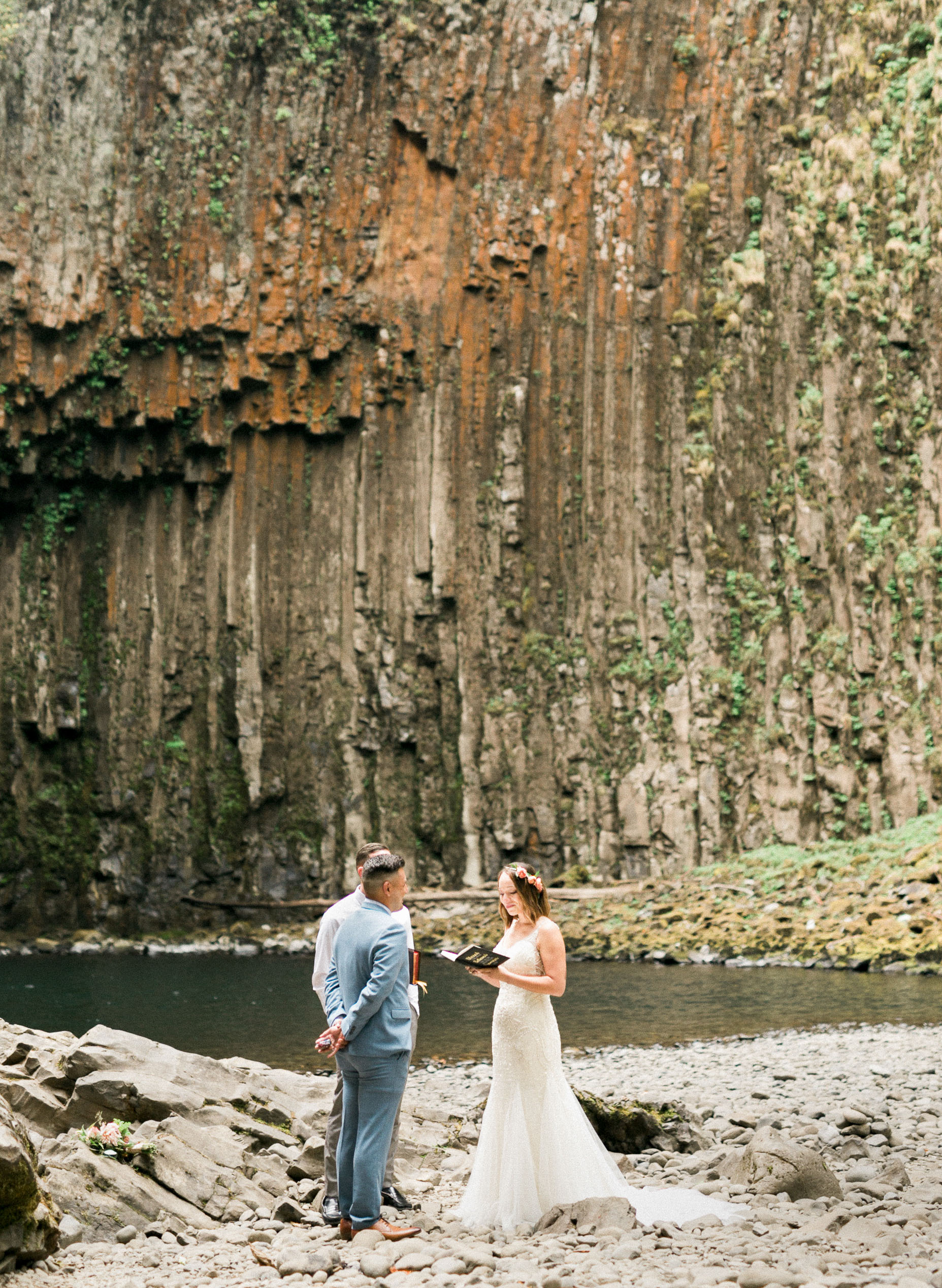 abiqua_falls_elopement_wedding_oregon_photographer_videographer_124.jpg