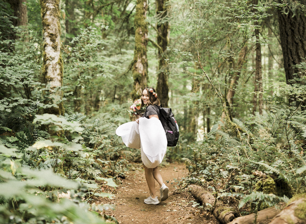 abiqua_falls_elopement_wedding_oregon_photographer_videographer_031.jpg