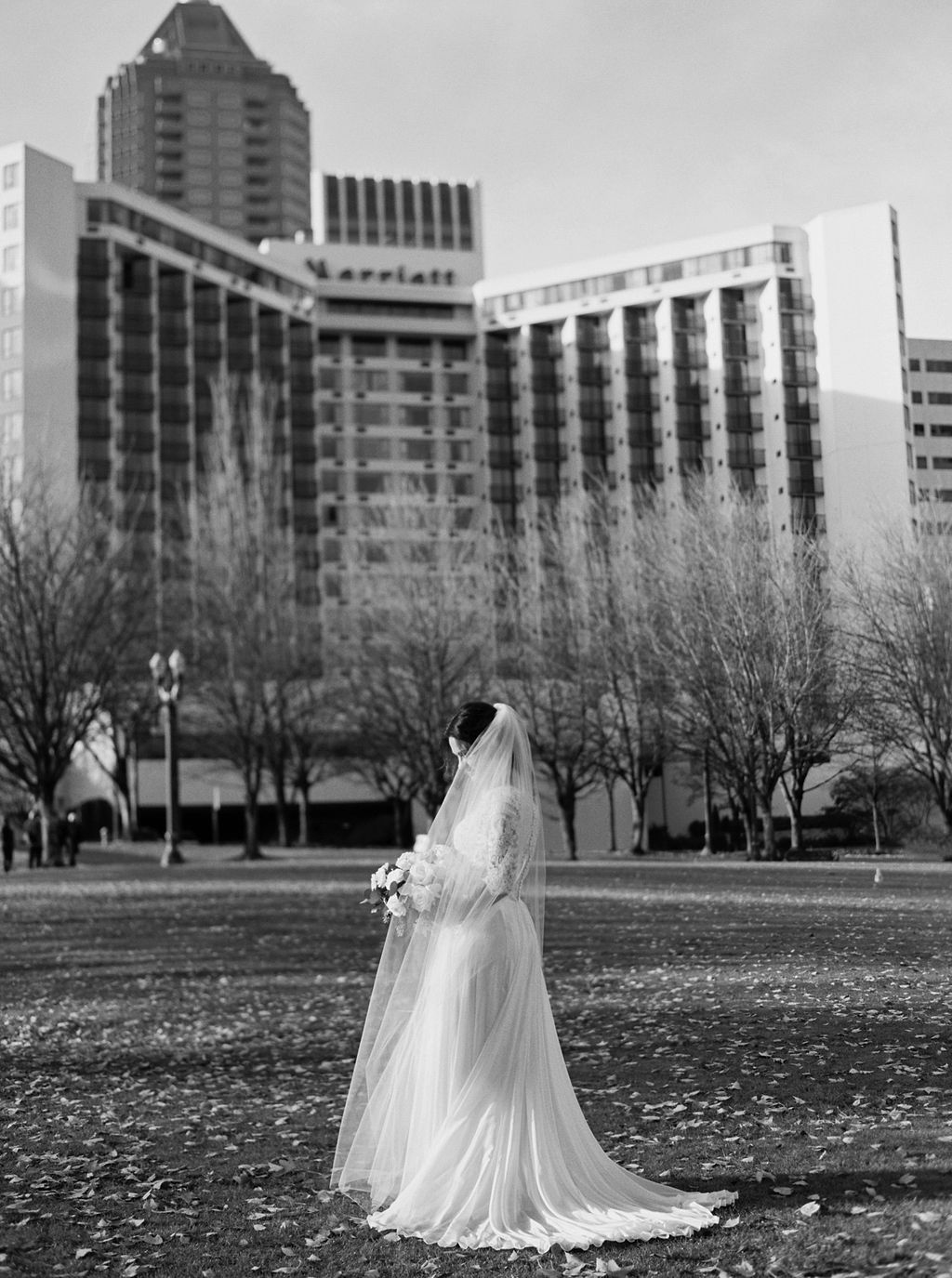 043portland,oregon,castaway,wedding,by_outlive_creative,photo,and,video.jpg