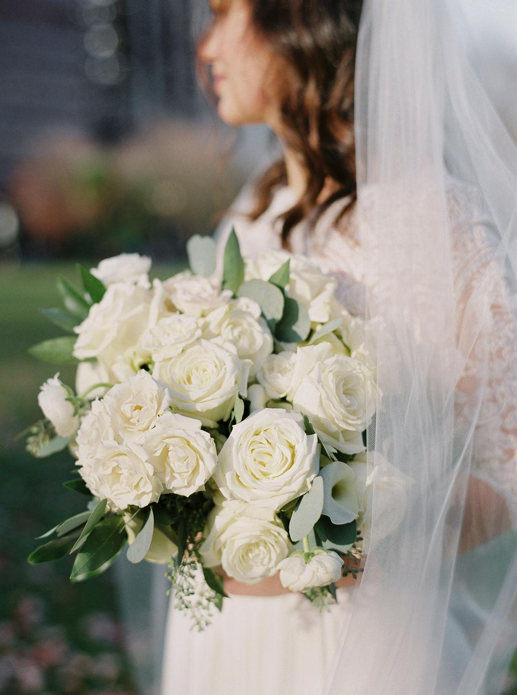 044portland,oregon,castaway,wedding,by_outlive_creative,photo,and,video.jpg