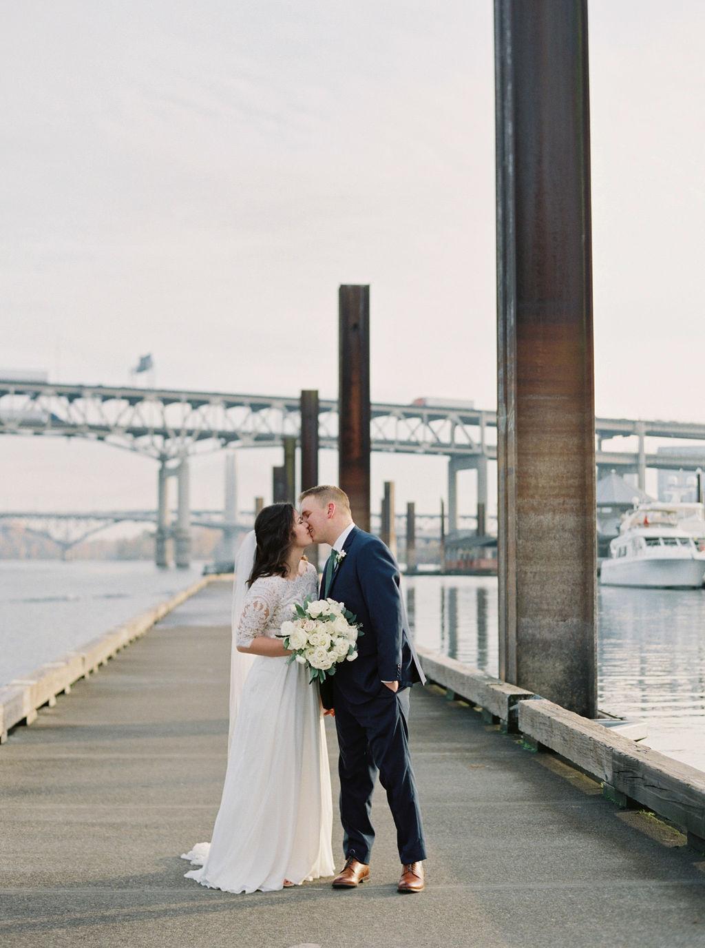 063portland,oregon,castaway,wedding,by_outlive_creative,photo,and,video.jpg