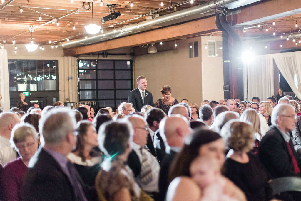 240portland,oregon,castaway,wedding,by_outlive_creative,photo,and,video.jpg