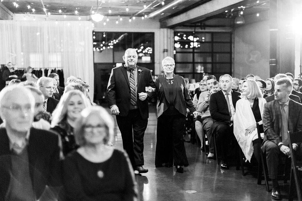249portland,oregon,castaway,wedding,by_outlive_creative,photo,and,video.jpg