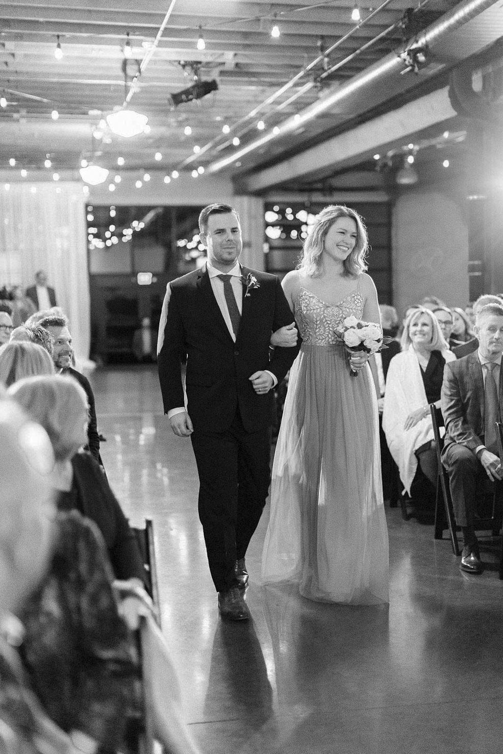 263portland,oregon,castaway,wedding,by_outlive_creative,photo,and,video.jpg