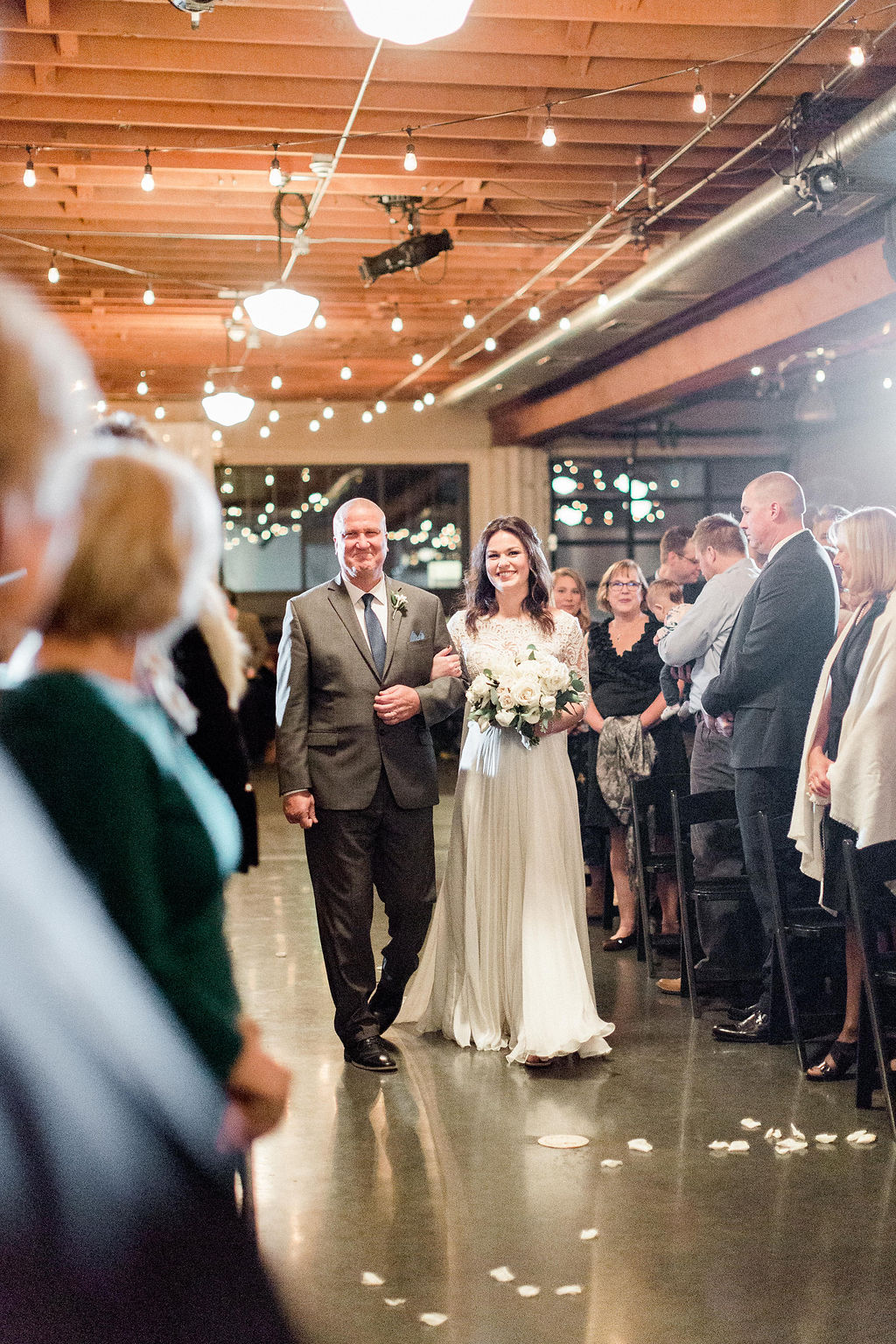 268portland,oregon,castaway,wedding,by_outlive_creative,photo,and,video.jpg