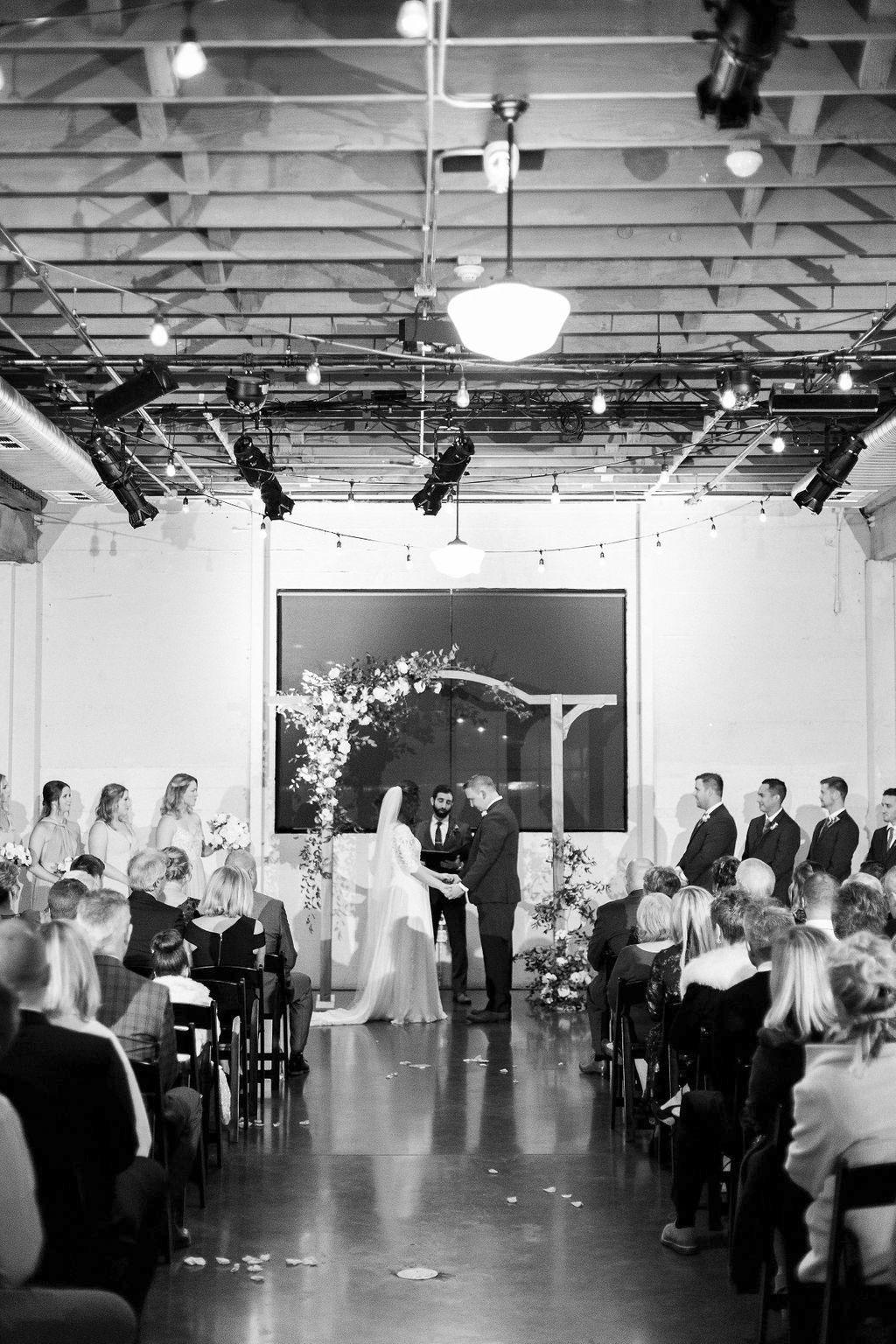 274portland,oregon,castaway,wedding,by_outlive_creative,photo,and,video.jpg