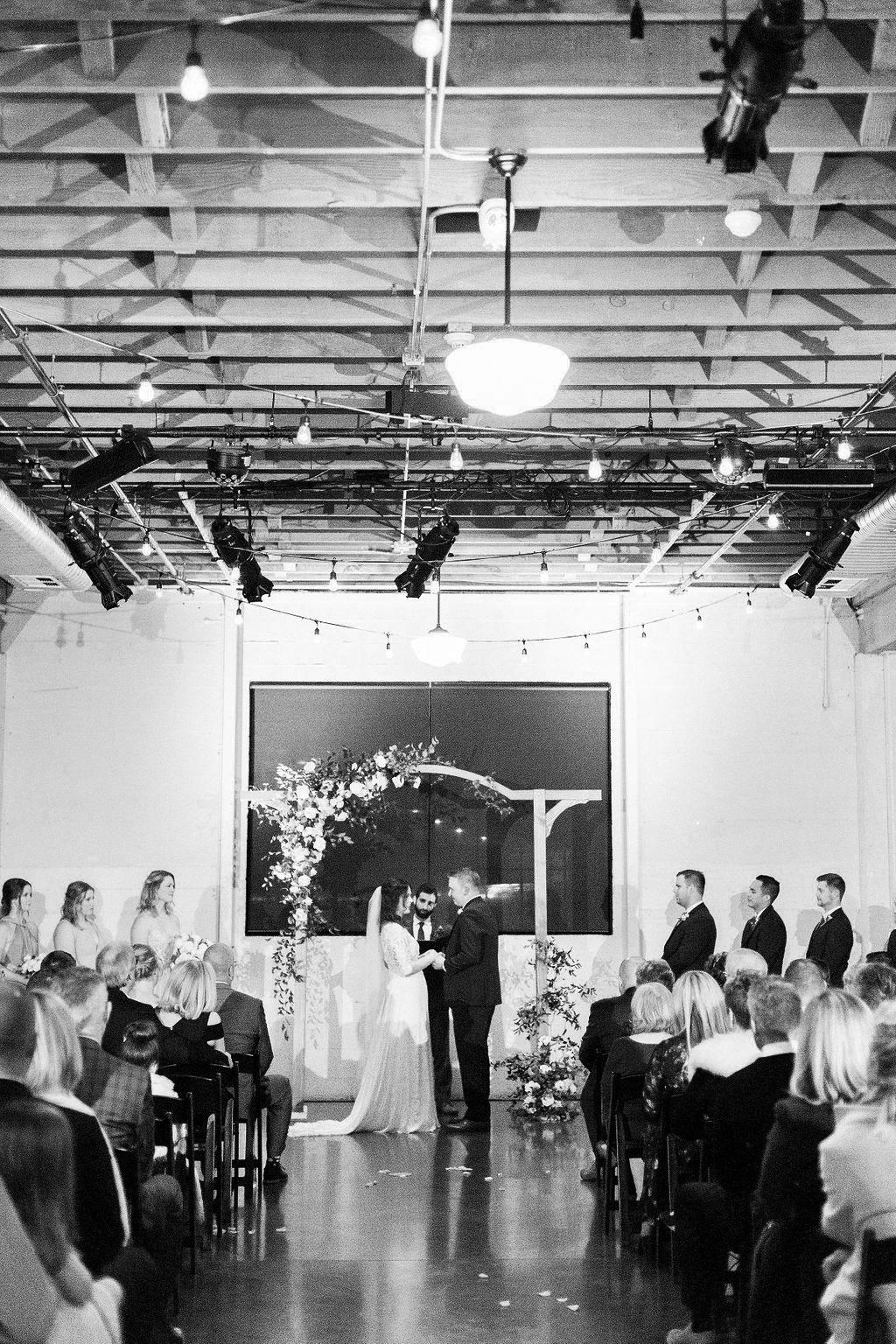 281portland,oregon,castaway,wedding,by_outlive_creative,photo,and,video.jpg