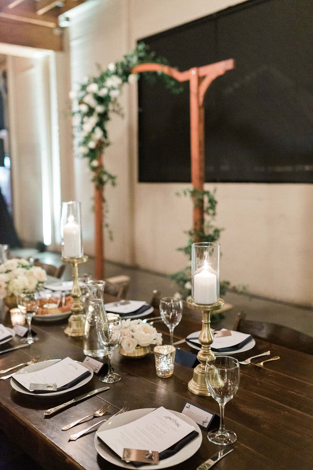 156portland,oregon,castaway,wedding,by_outlive_creative,photo,and,video.jpg