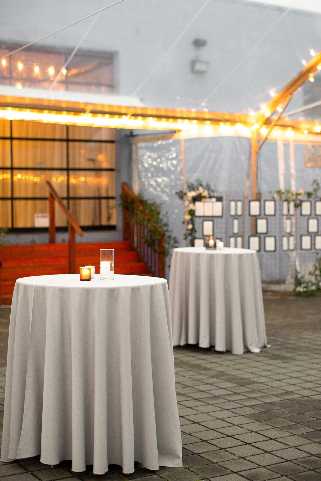 001_cocktail_portland,oregon,castaway,wedding,by_outlive_creative,photo,and,video.jpg