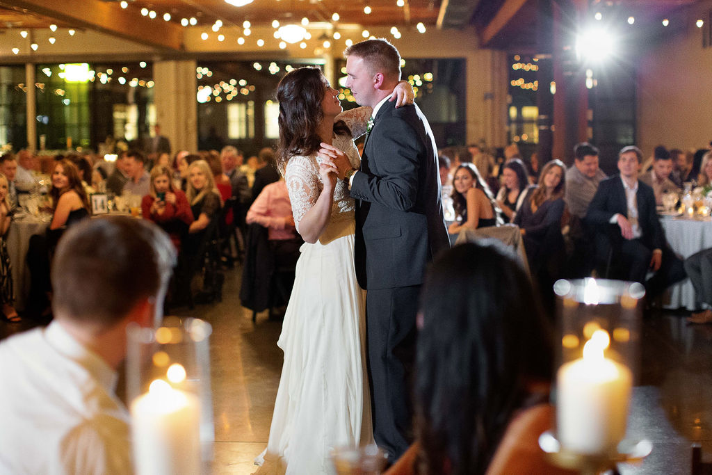 018_reception_portland,oregon,castaway,wedding,by_outlive_creative,photo,and,video.jpg