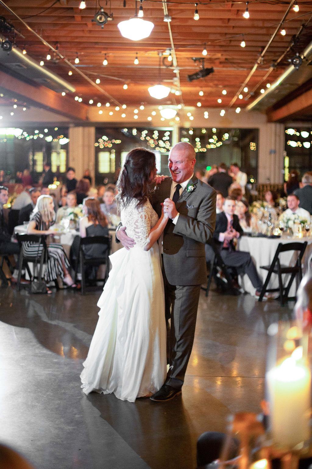033_reception_portland,oregon,castaway,wedding,by_outlive_creative,photo,and,video.jpg