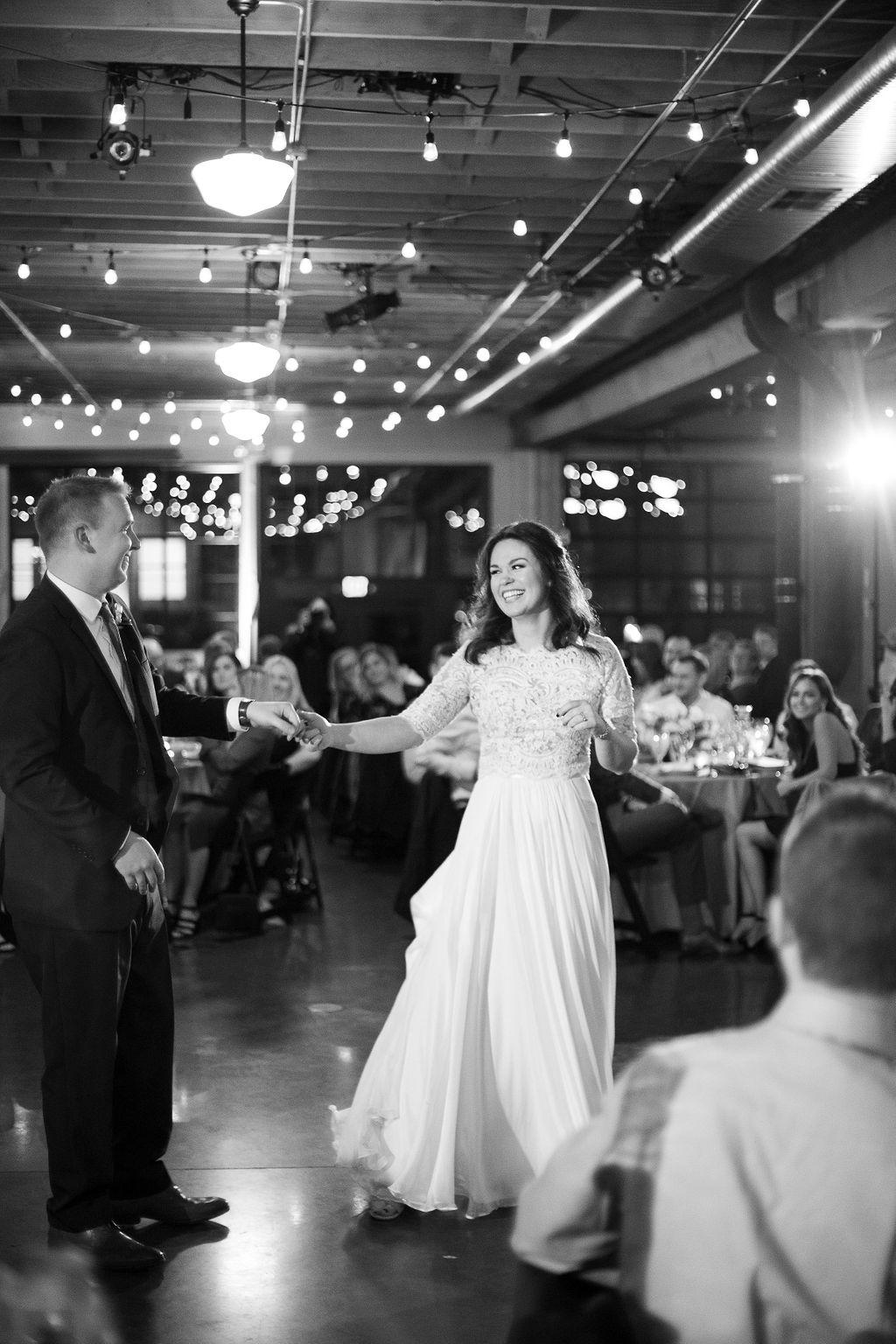 032_reception_portland,oregon,castaway,wedding,by_outlive_creative,photo,and,video.jpg
