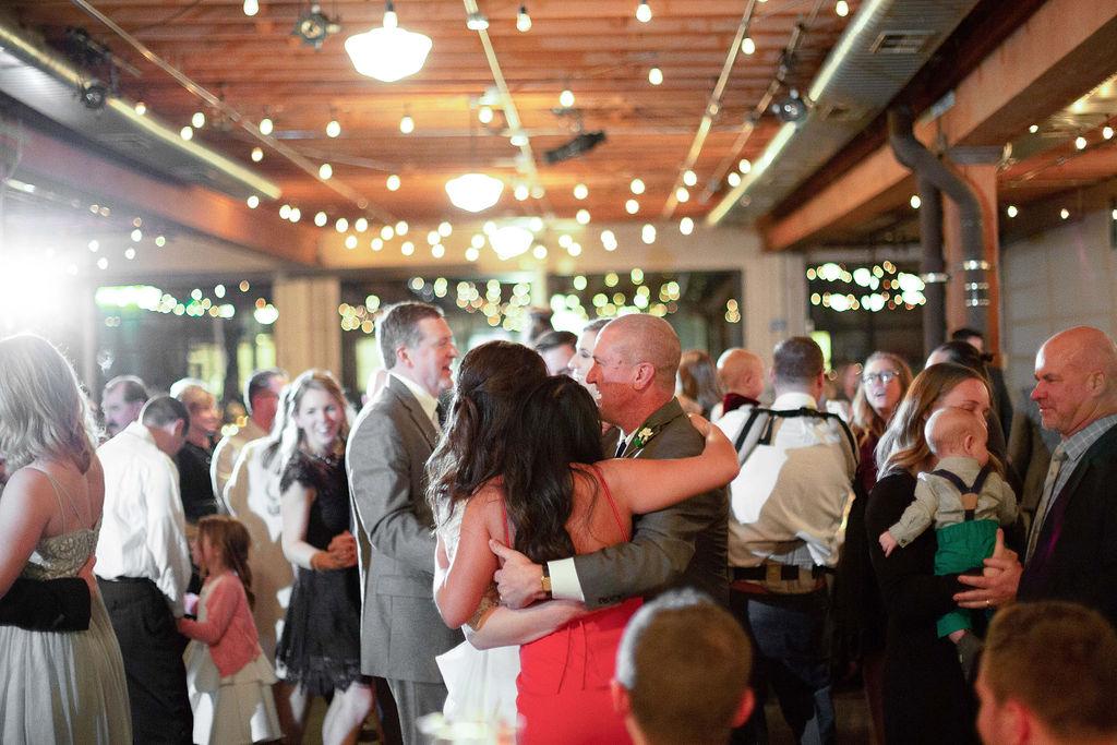034_reception_portland,oregon,castaway,wedding,by_outlive_creative,photo,and,video.jpg