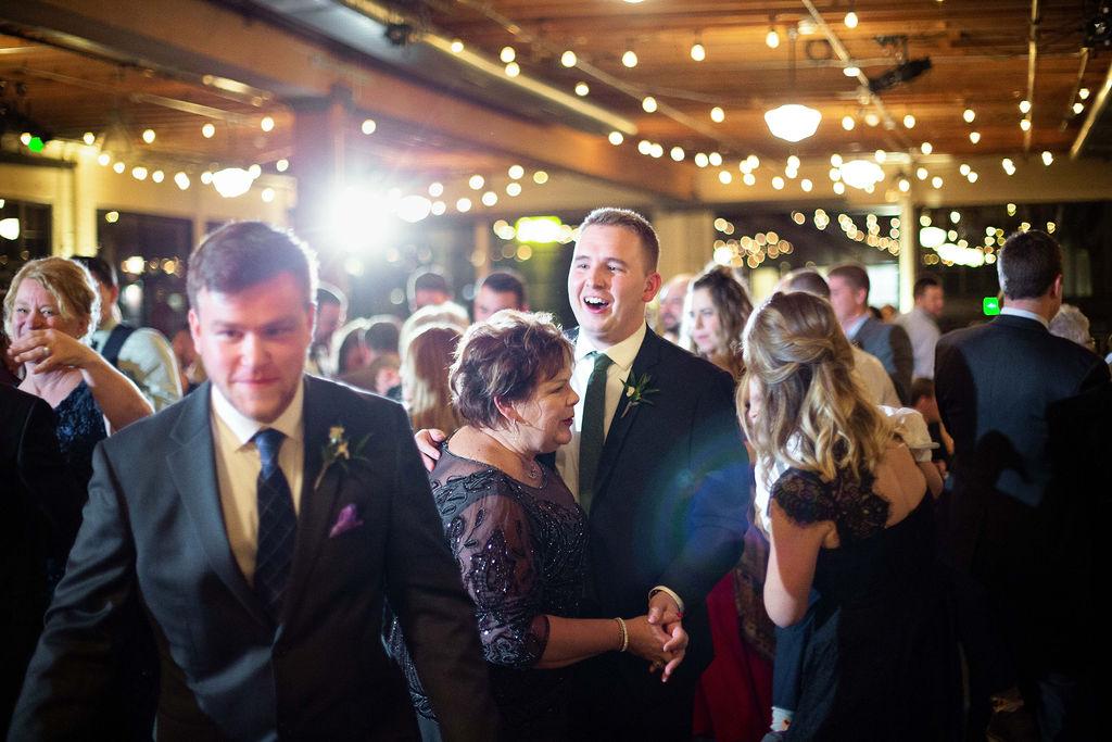 040_reception_portland,oregon,castaway,wedding,by_outlive_creative,photo,and,video.jpg