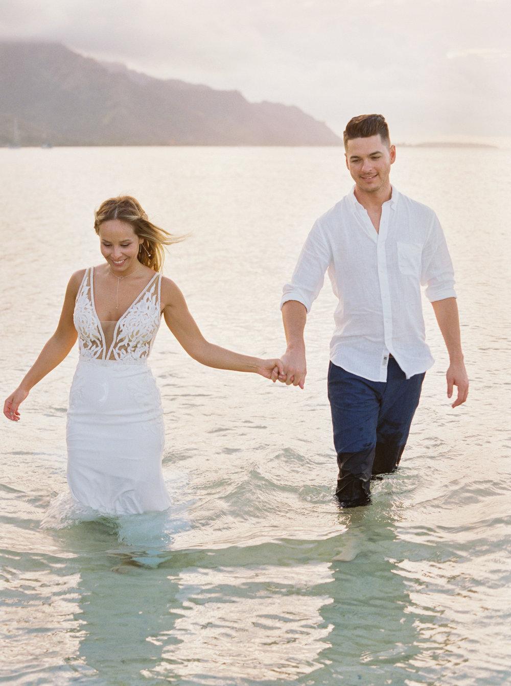 Caribbean elopement on the island of Mo'orea.