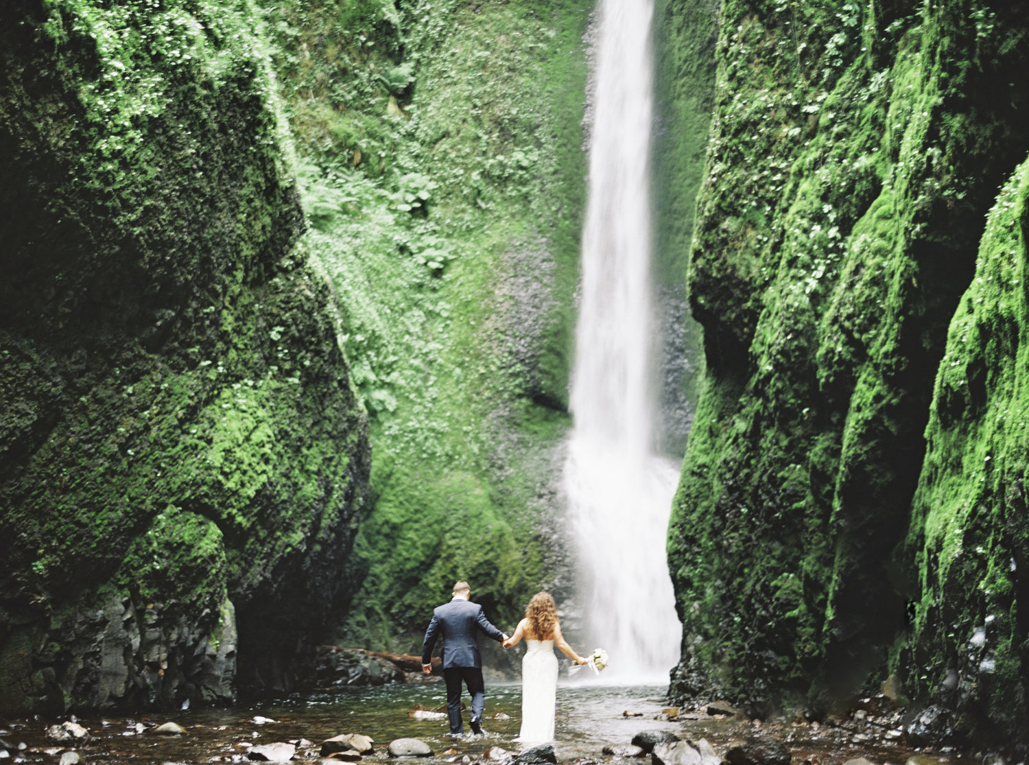 Columbia River Gorge elopement in Oneonta Falls.