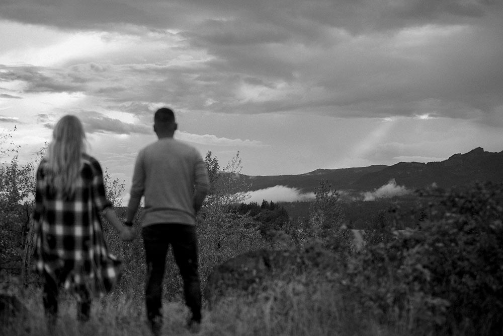 Columbia River Gorge Engagement by Outlive Creative