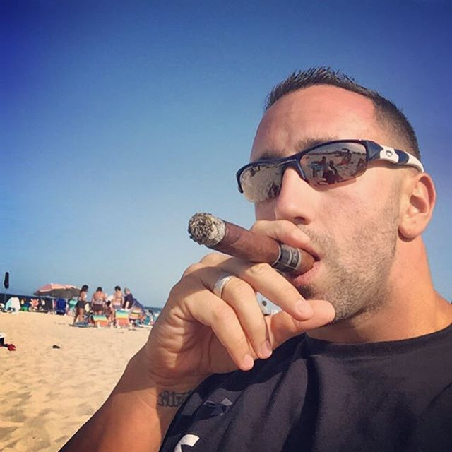 Doesn't get much better... #relax #jerseyshore #cigar #lagloriacubana #ldw2015