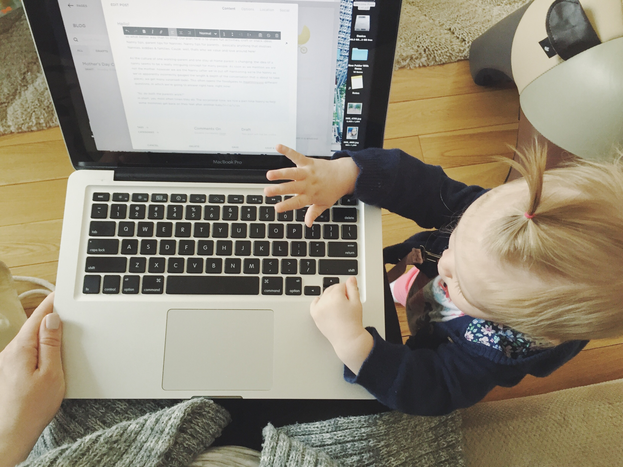The tiniest blogger.
