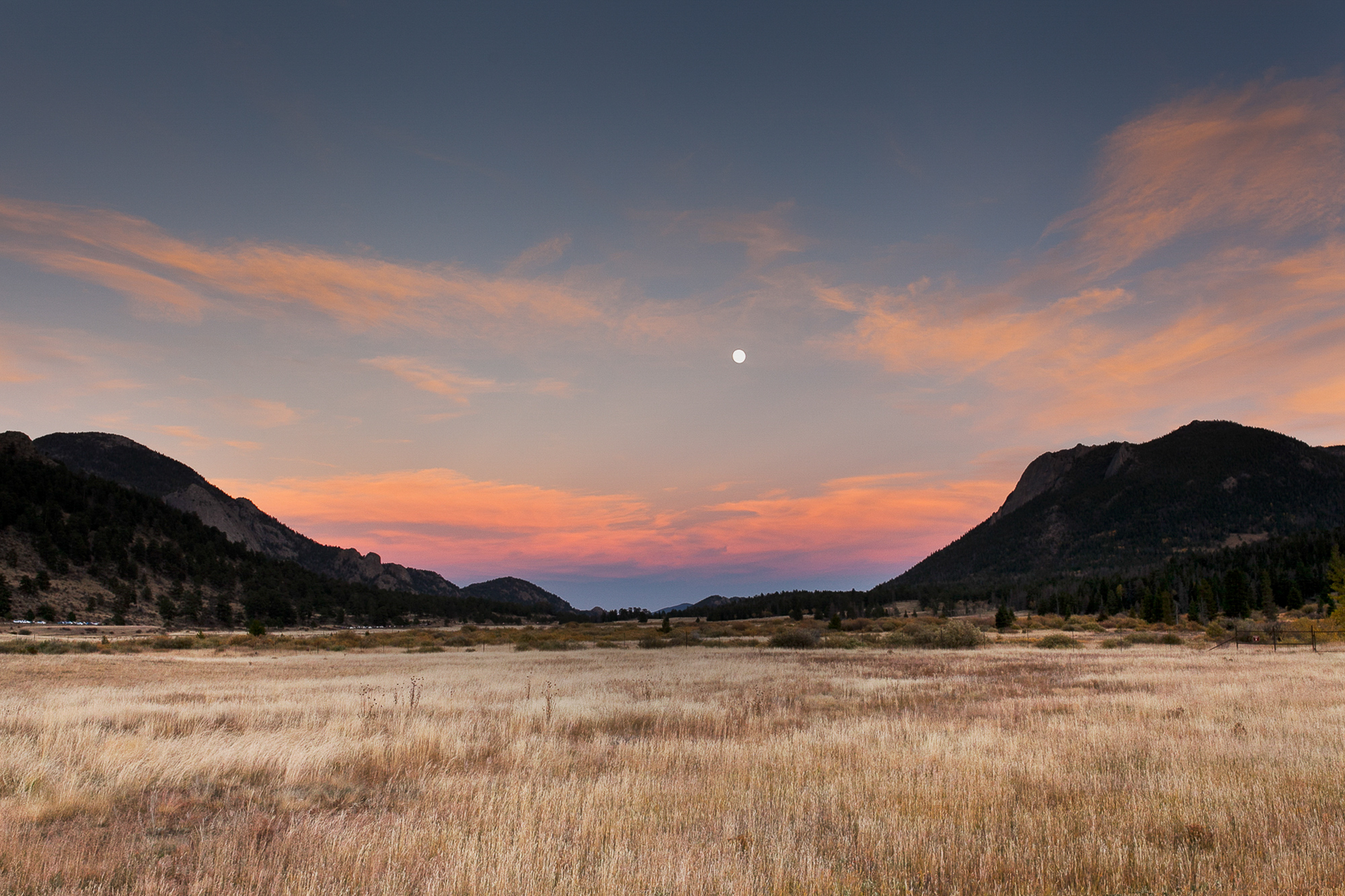 071Travel_Adventure_Outdoor_Photography_Outlive_Creative_COLORADO_Tundra_Trails_Rocky_Mountains.jpg
