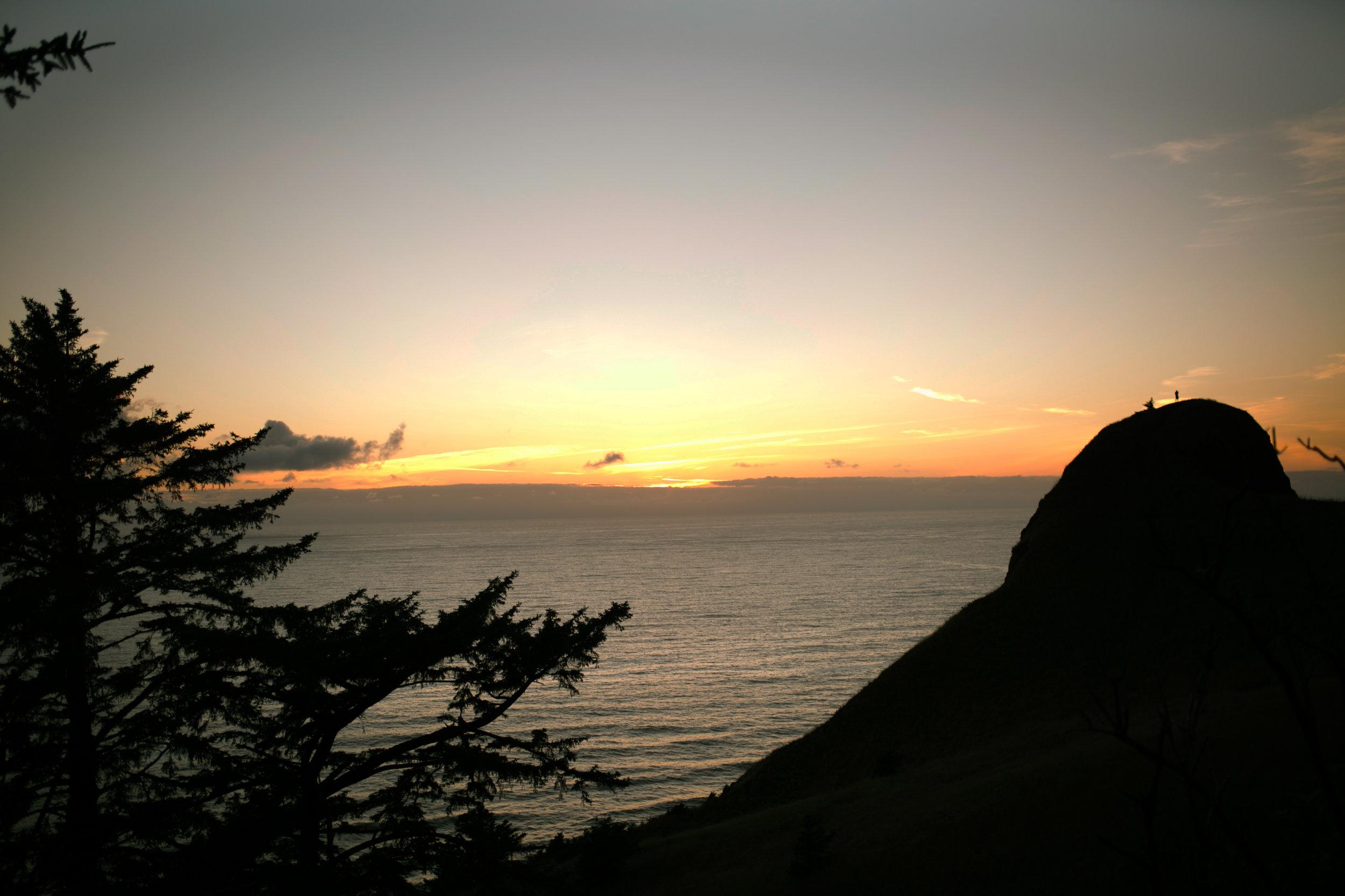 093Travel_Adventure_Outdoor_Photography_Outlive_Creative_Oregon_Coast_Gods_Thumb_sunset.jpg