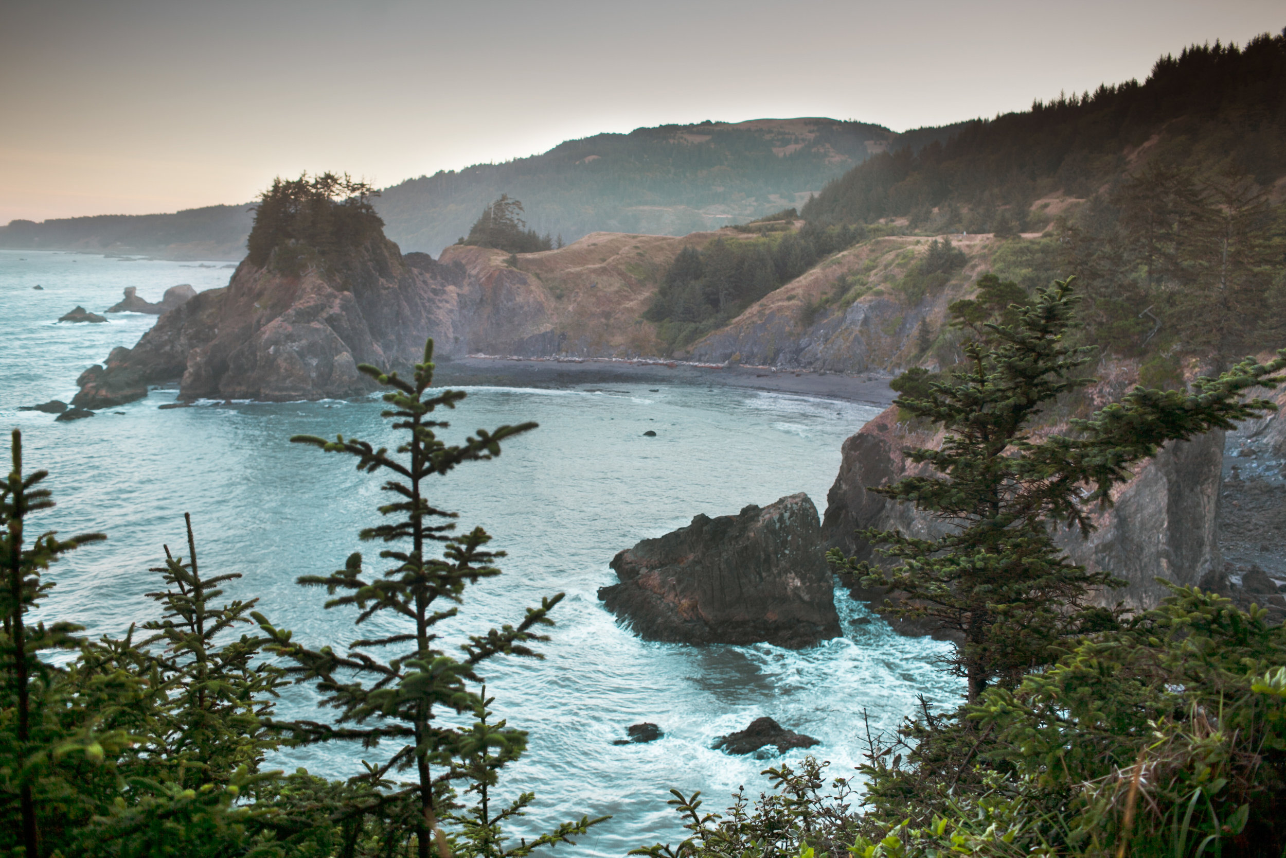 094Travel_Adventure_Outdoor_Photography_Outlive_Creative_Oregon_Coast_Samuel H Boardman State Park.jpg